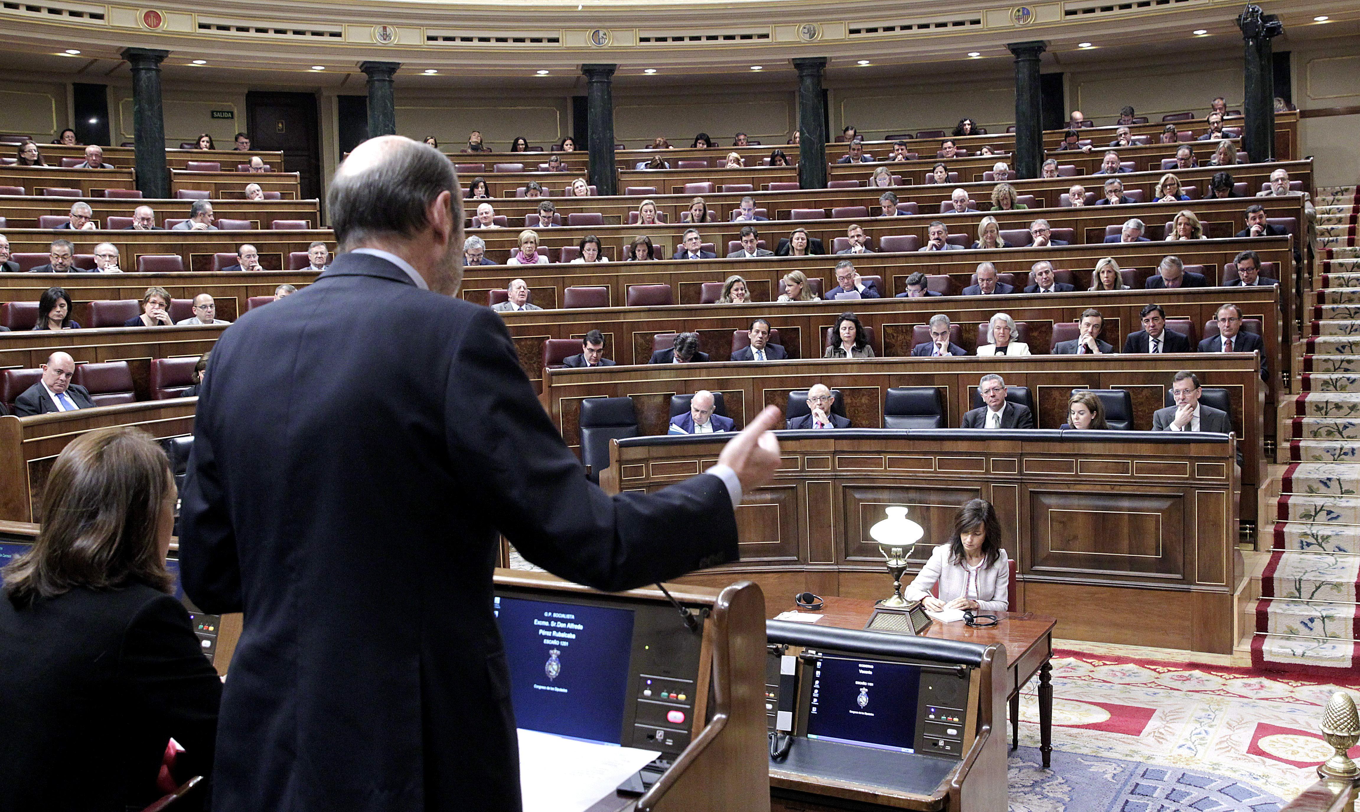 Foro +Democracia reúne 60.000 firmas para reformar los partidos y prohibir las donaciones anónimas