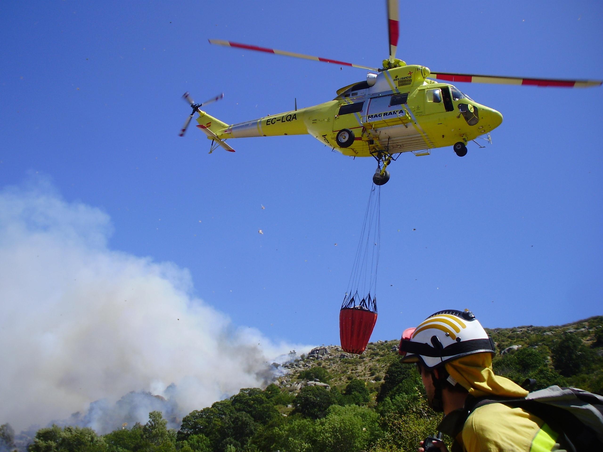 El 40% de las horas de vuelo efectuadas por medios aéreos en la campaña de incendios se corresponde con Galicia