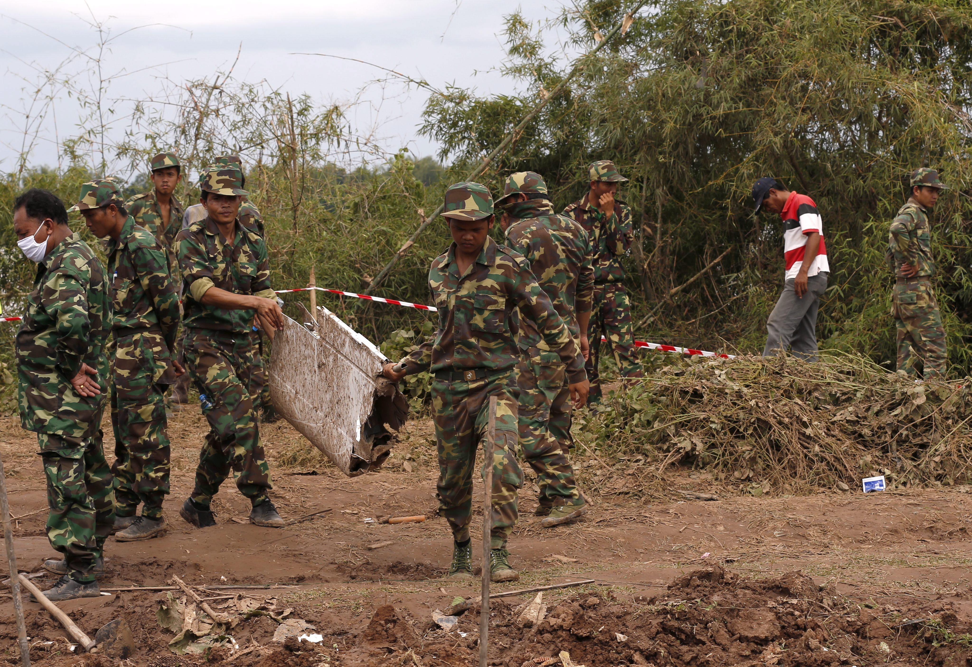Los equipos de rescaten hallan 8 cadáveres del accidente de avión en Laos