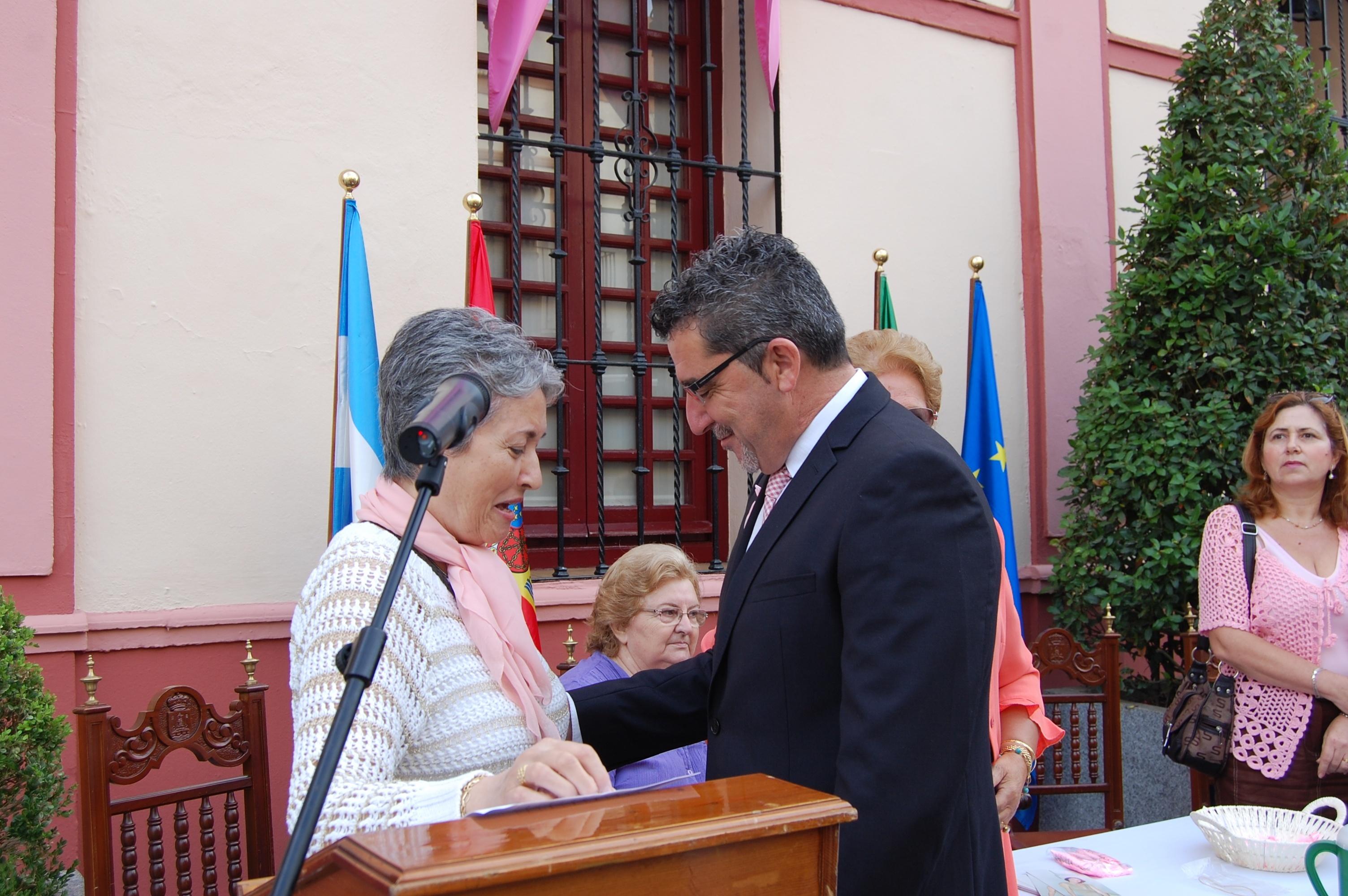 El Alcalde de Alcalá de Guadaíra preside las actividades de la celebración del Día Mundial contra el Cáncer