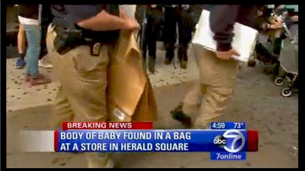 Piden a una joven que muestre su bolso en una tienda de NY y hallan un bebé muerto