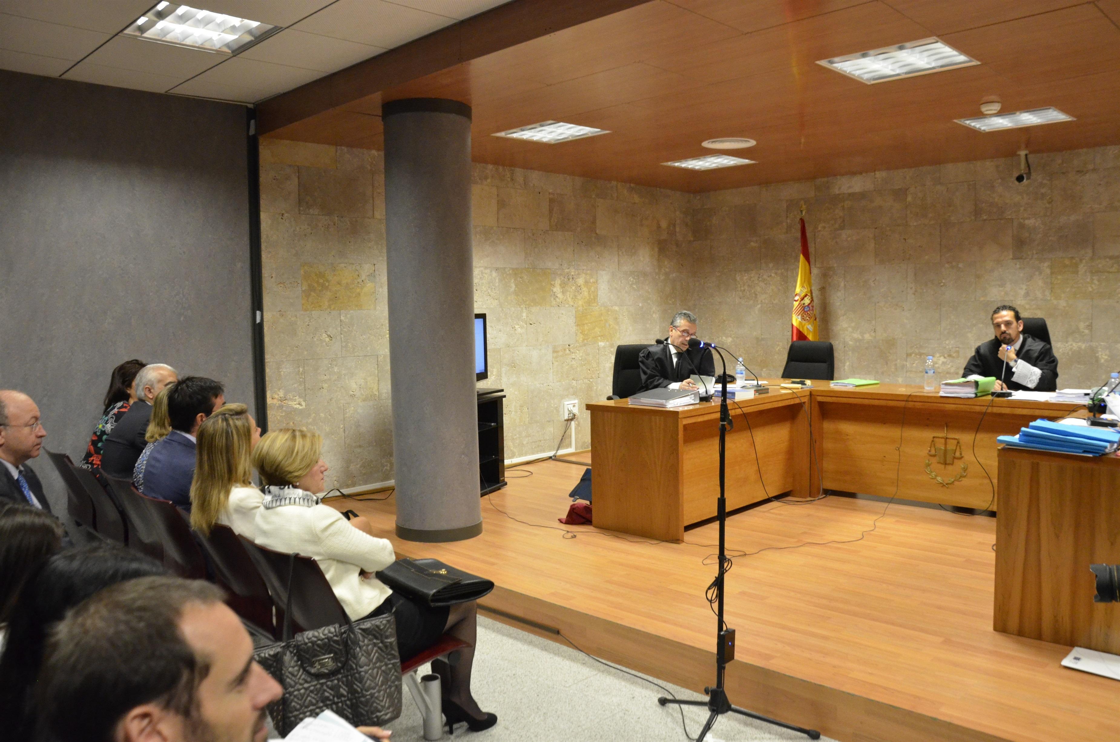 Jorge Trías contradice a Bárcenas y asegura que él no entregó sus »papeles» a El País