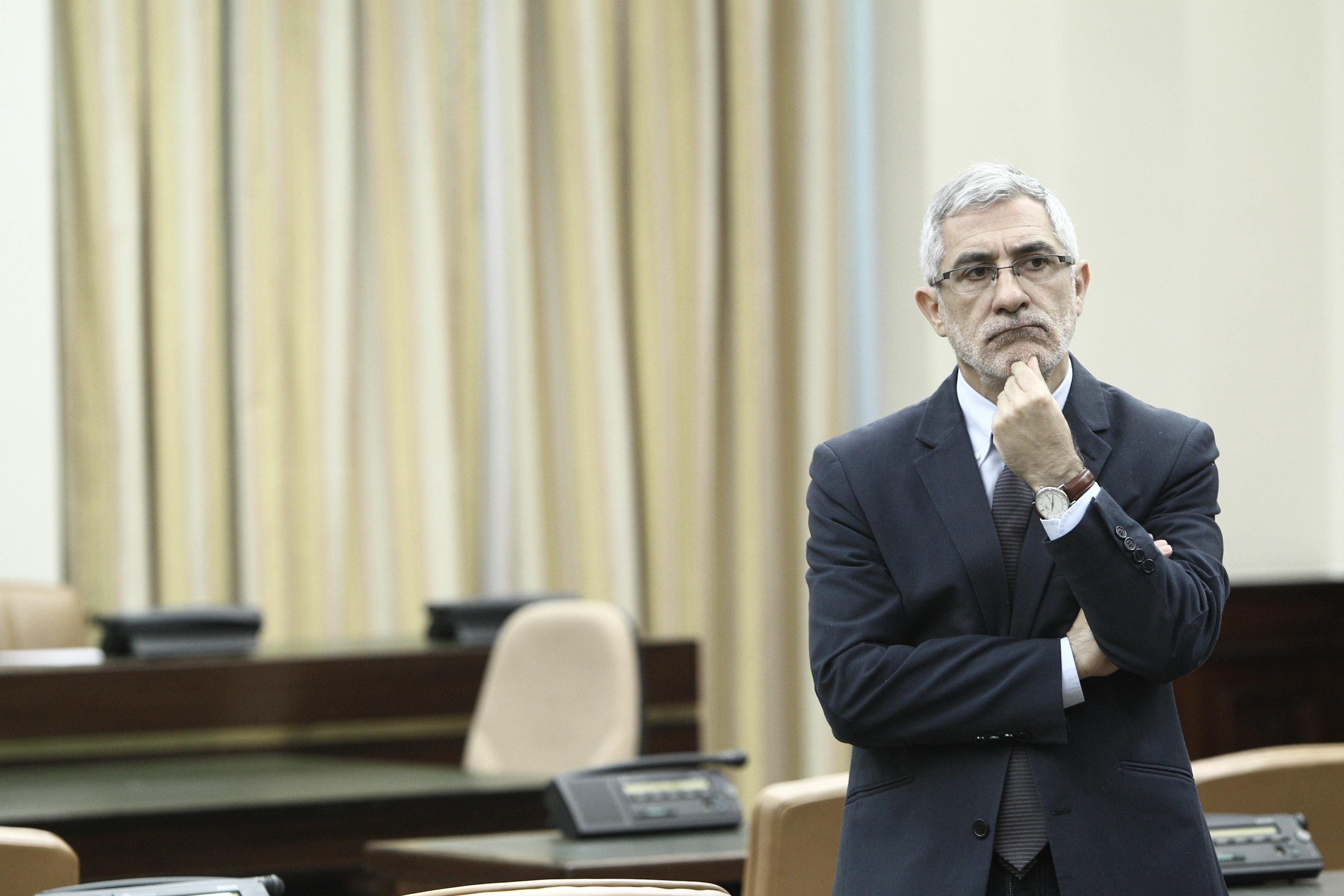 Llamazares cree que IU no debe conformarse con lograr más diputados y tiene que buscar «cambiar la política»
