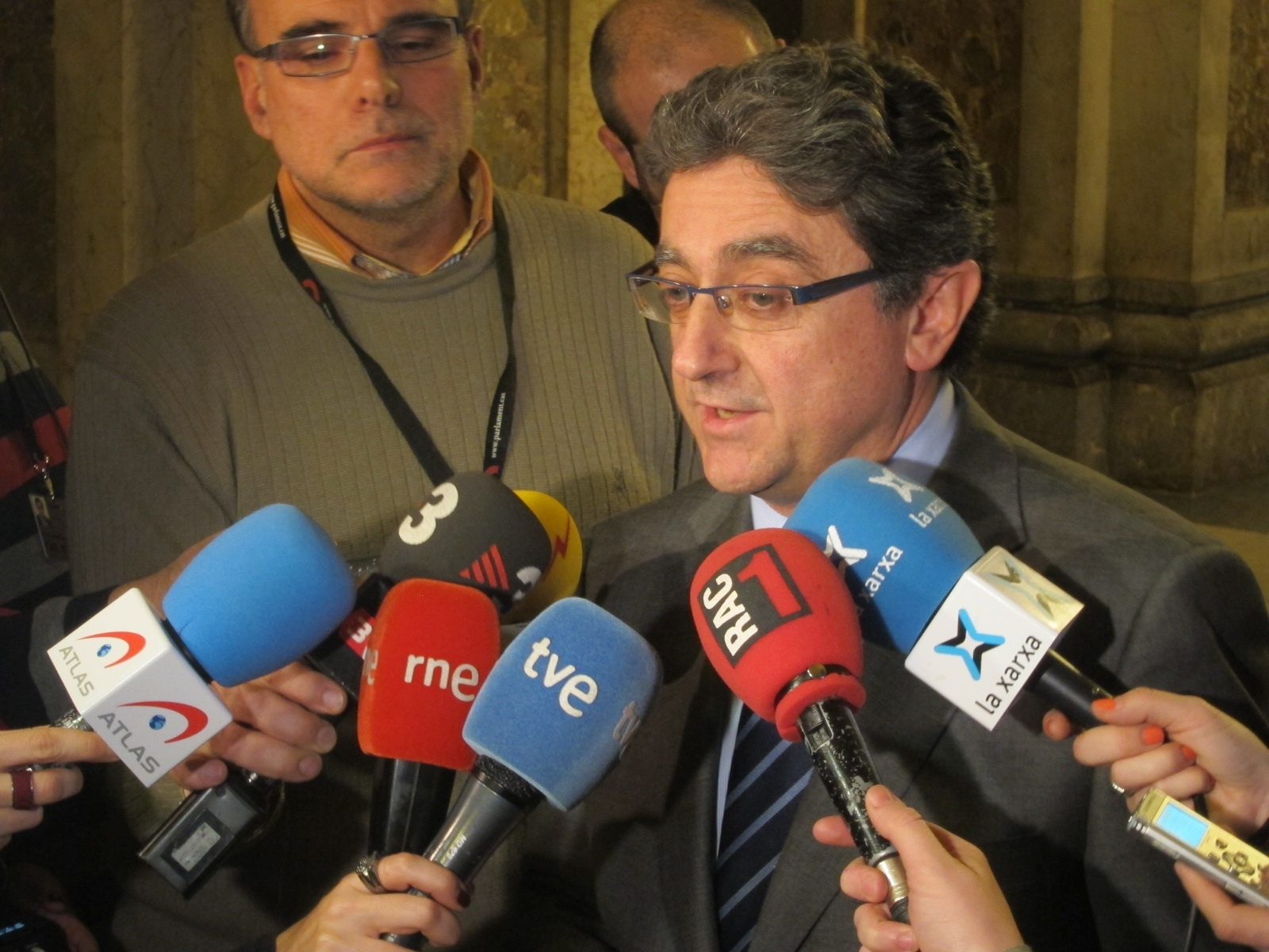 Millo, avergonzado por el «ridículo» que hizo Artur Mas al plantar a Santamaría