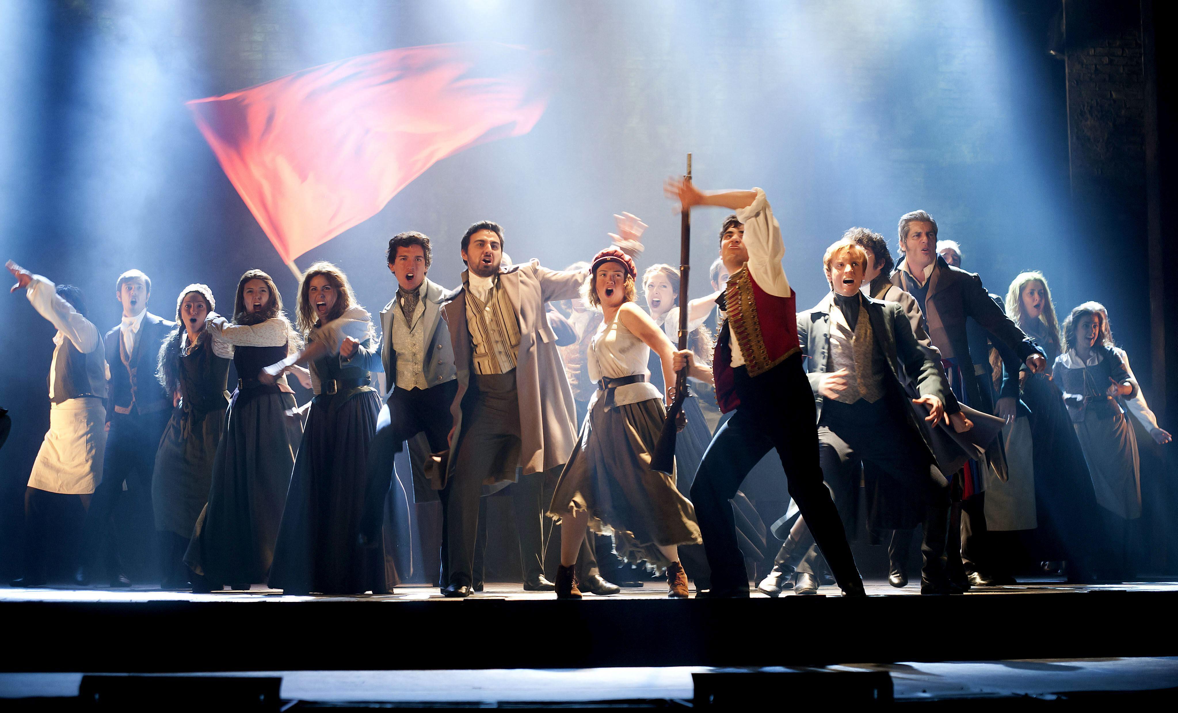 «Los Miserables» conquista y llena en Santander en la noche de estreno