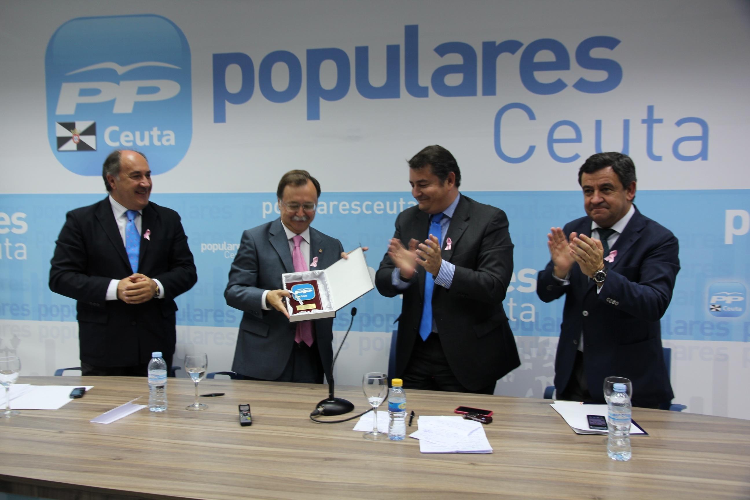 El PP de Cádiz reprocha a Susana Díaz que «los andaluces no comen de grandes titulares»
