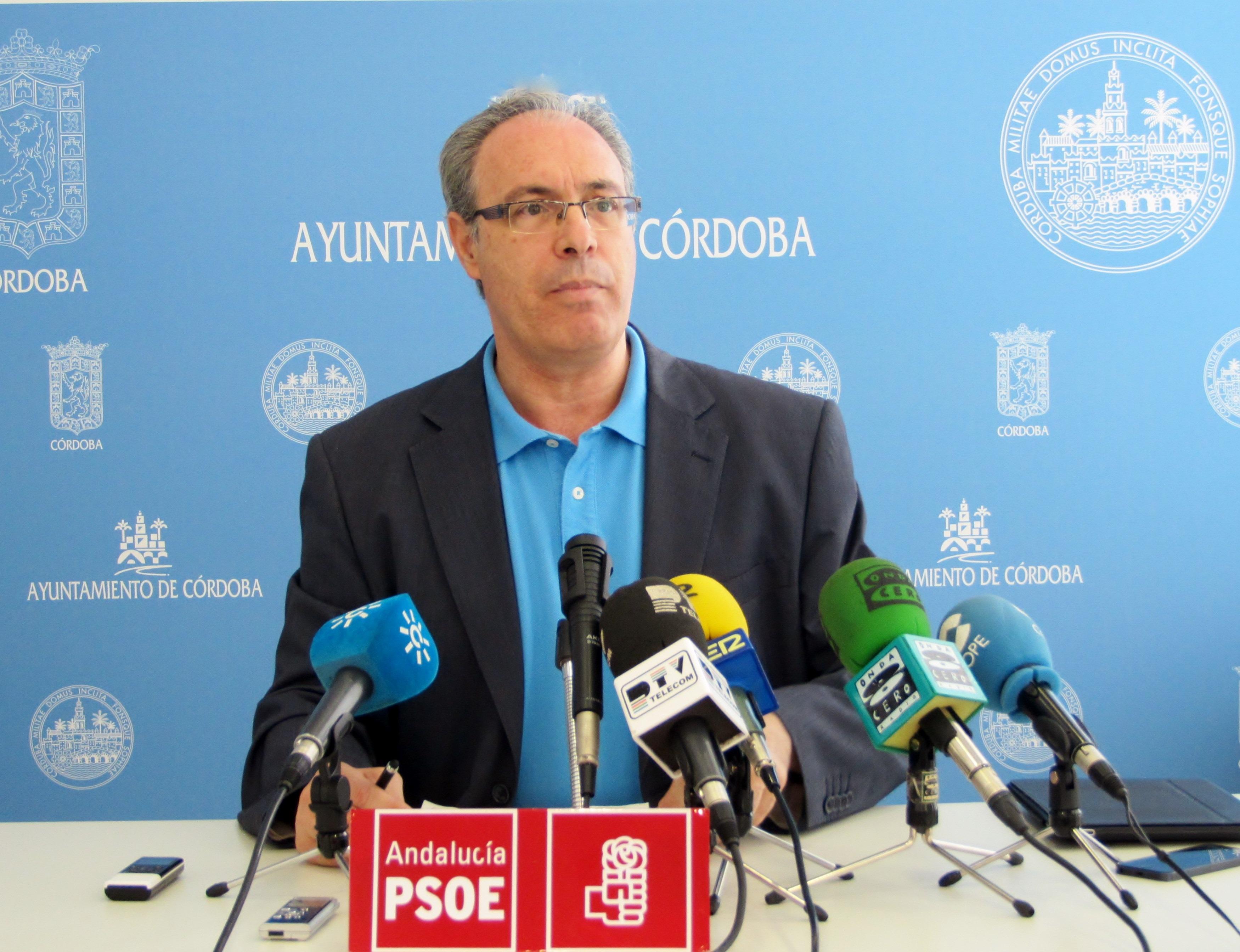 El PSOE acusa a Nieto de «estar jugando al Monopoly con la ciudad», mientras «no se preocupa del empleo»