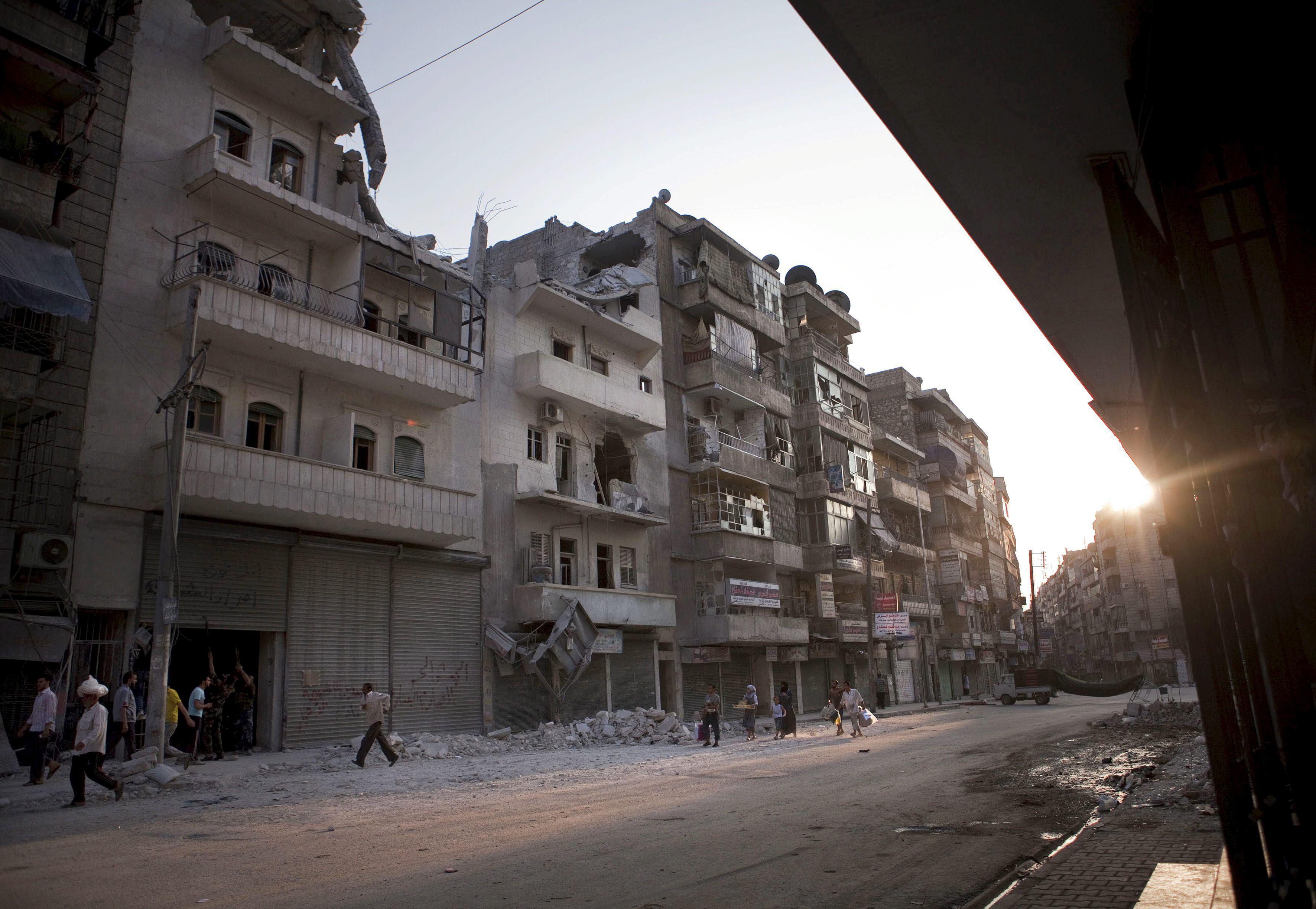 Al menos 27 muertos en el asalto a un cuartel en el norte de Siria