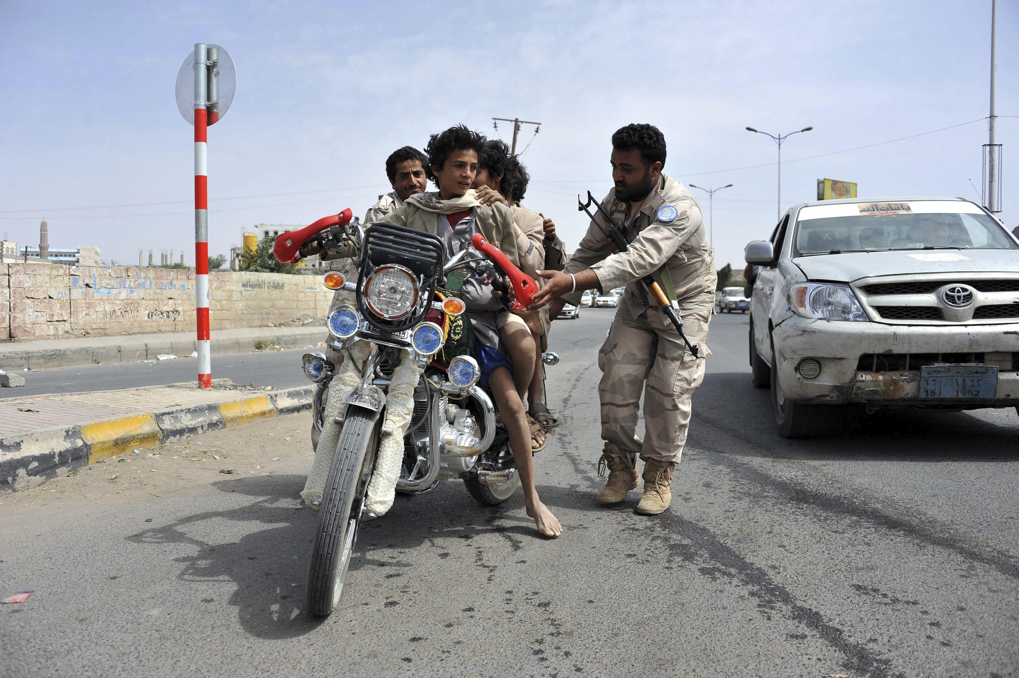 Al menos 10 soldados muertos en un ataque a un cuartel en el Yemen