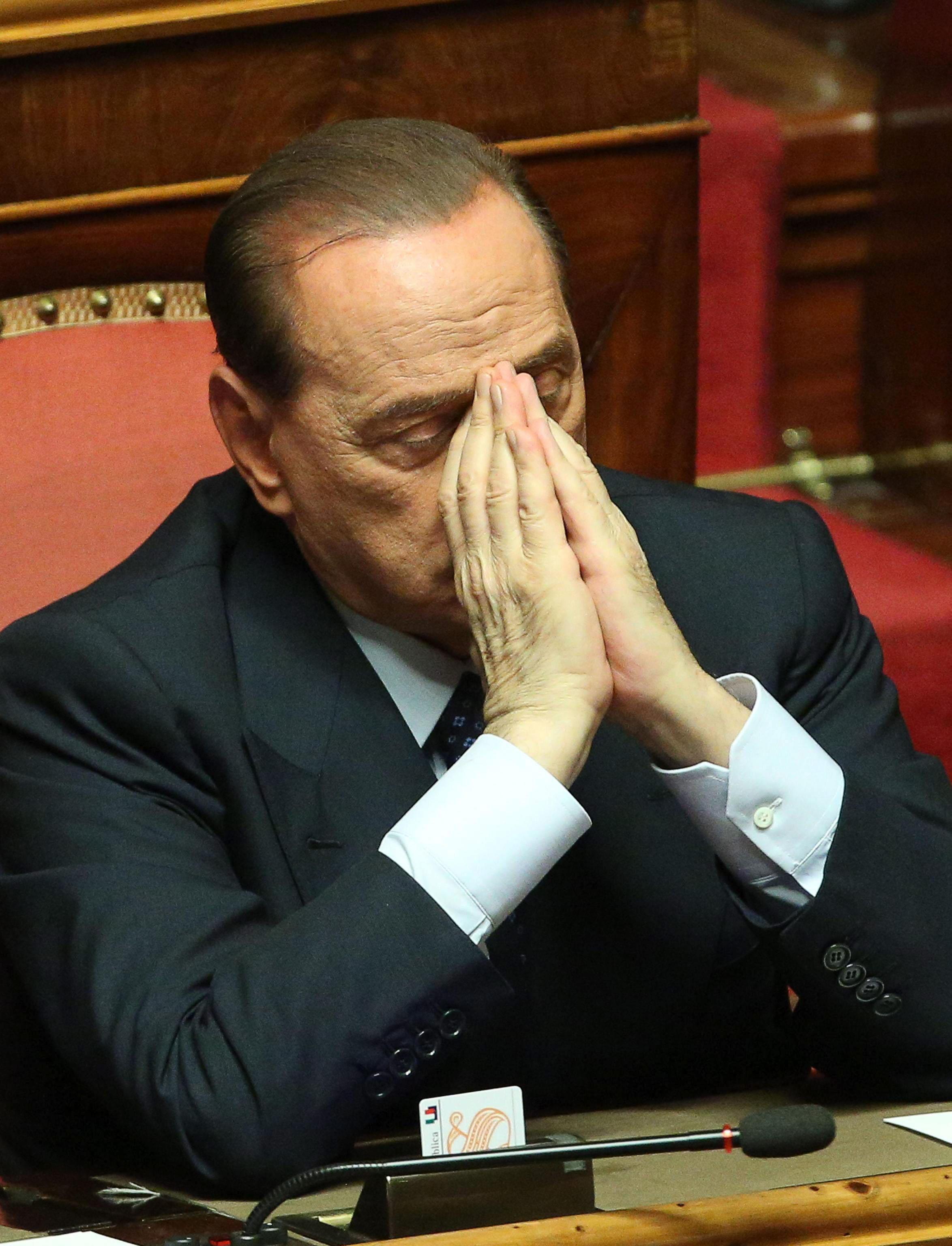 Reducen la pena de inhabilitación de Berlusconi a dos años