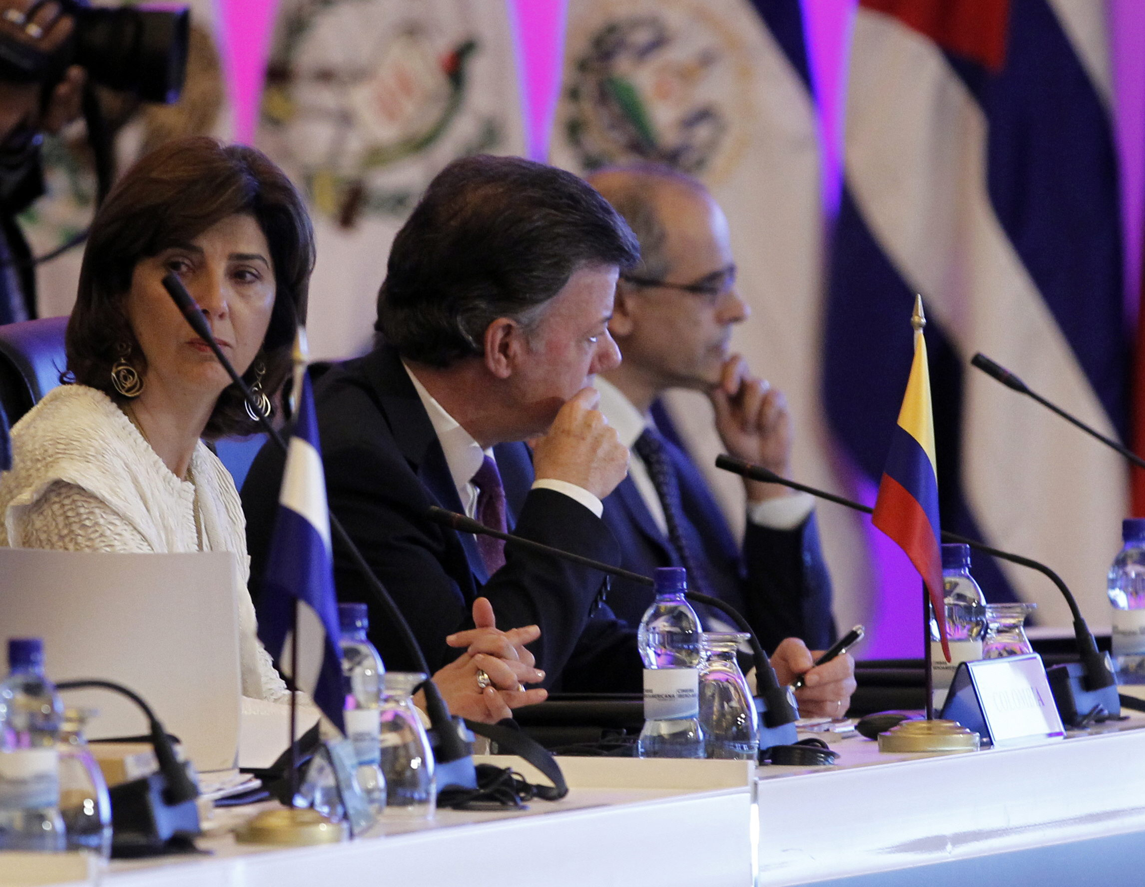 Santos espera convencer a las FARC para «acelerar» las negociaciones de paz