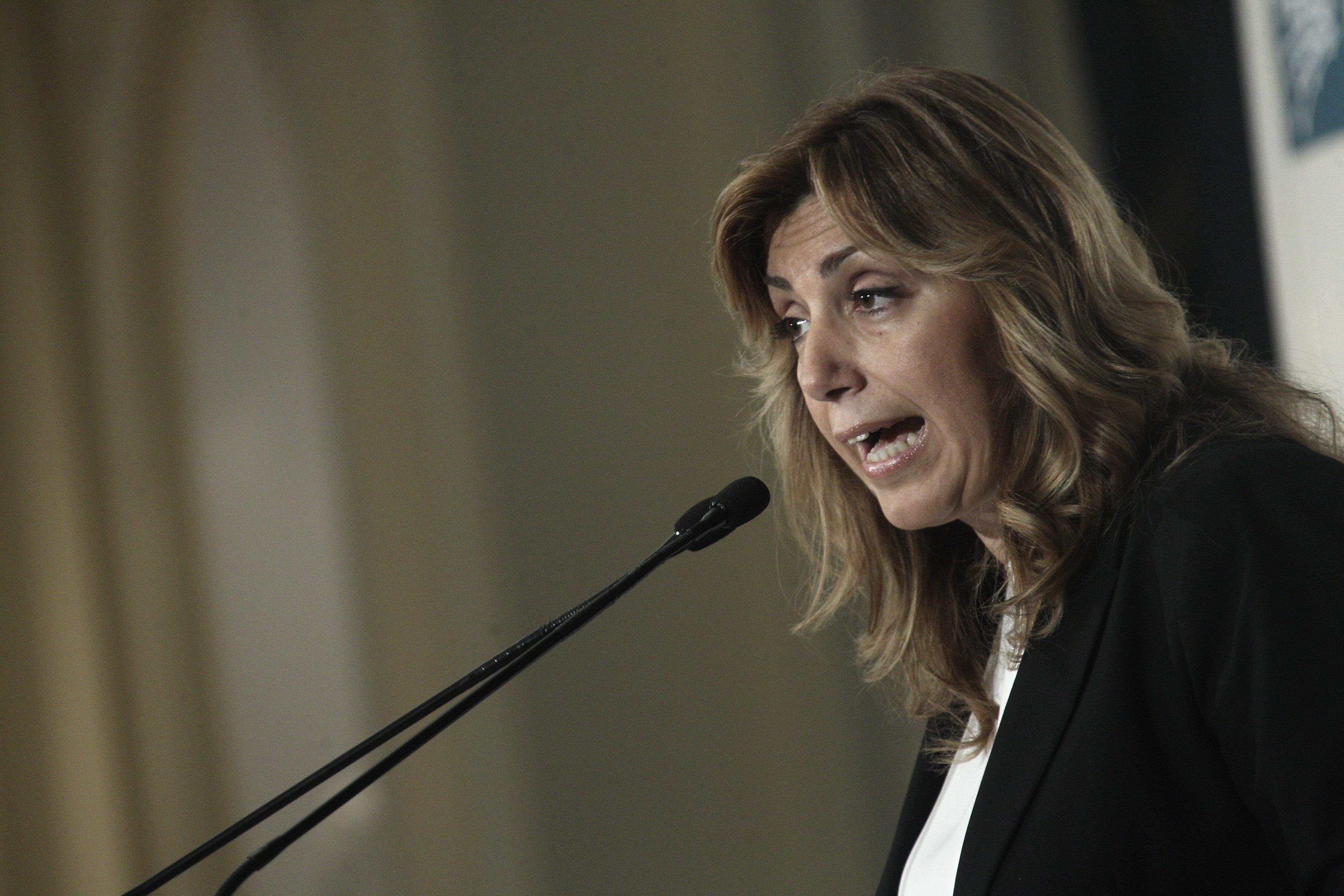 Susana Díaz vota en la asamblea de la agrupación socialista Triana dentro del proceso orgánico del PSOE
