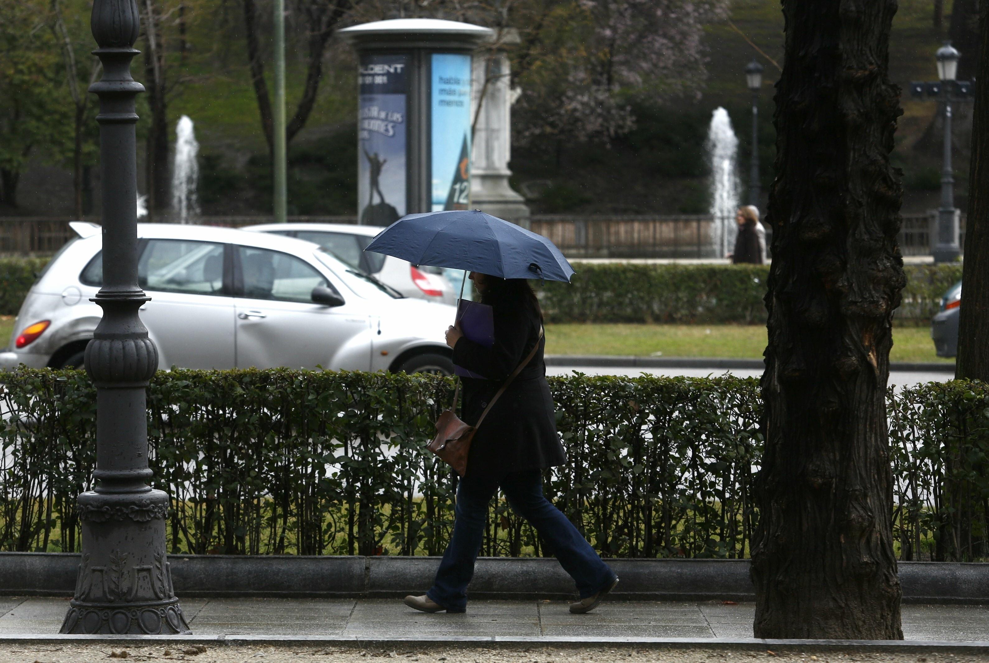 Un total de 25 provincias estará mañana en alerta por lluvias y vientos
