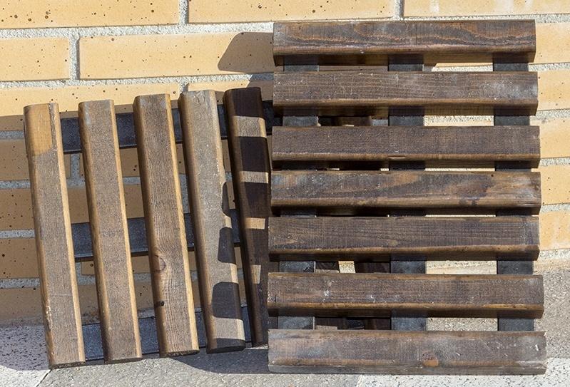Ayuntamiento de Cuenca pone en marcha una experiencia piloto de rejillas de sumidero de madera de la Serranía conquense