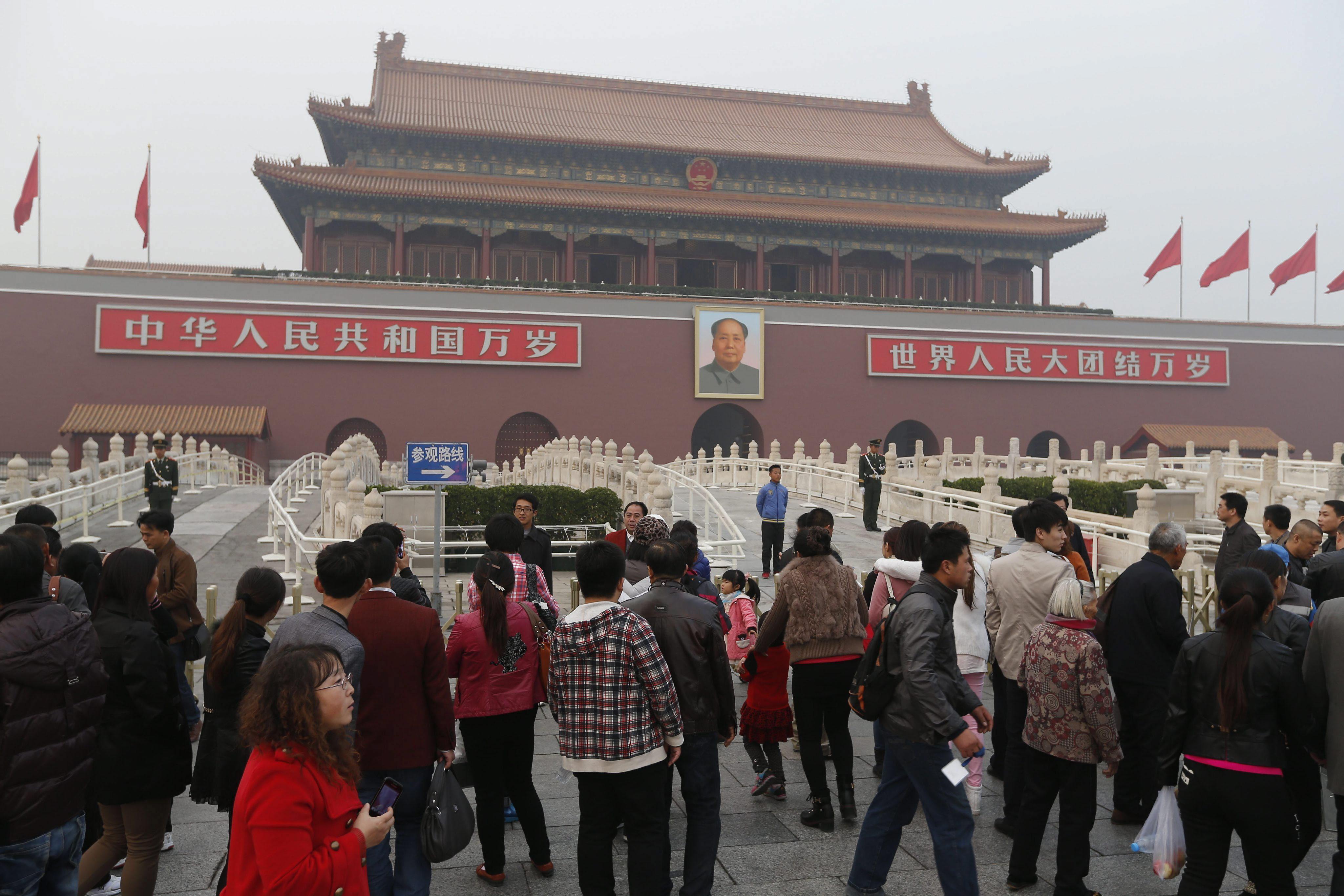 China eleva la alerta de seguridad en Pekín tras el ataque en Tiananmen