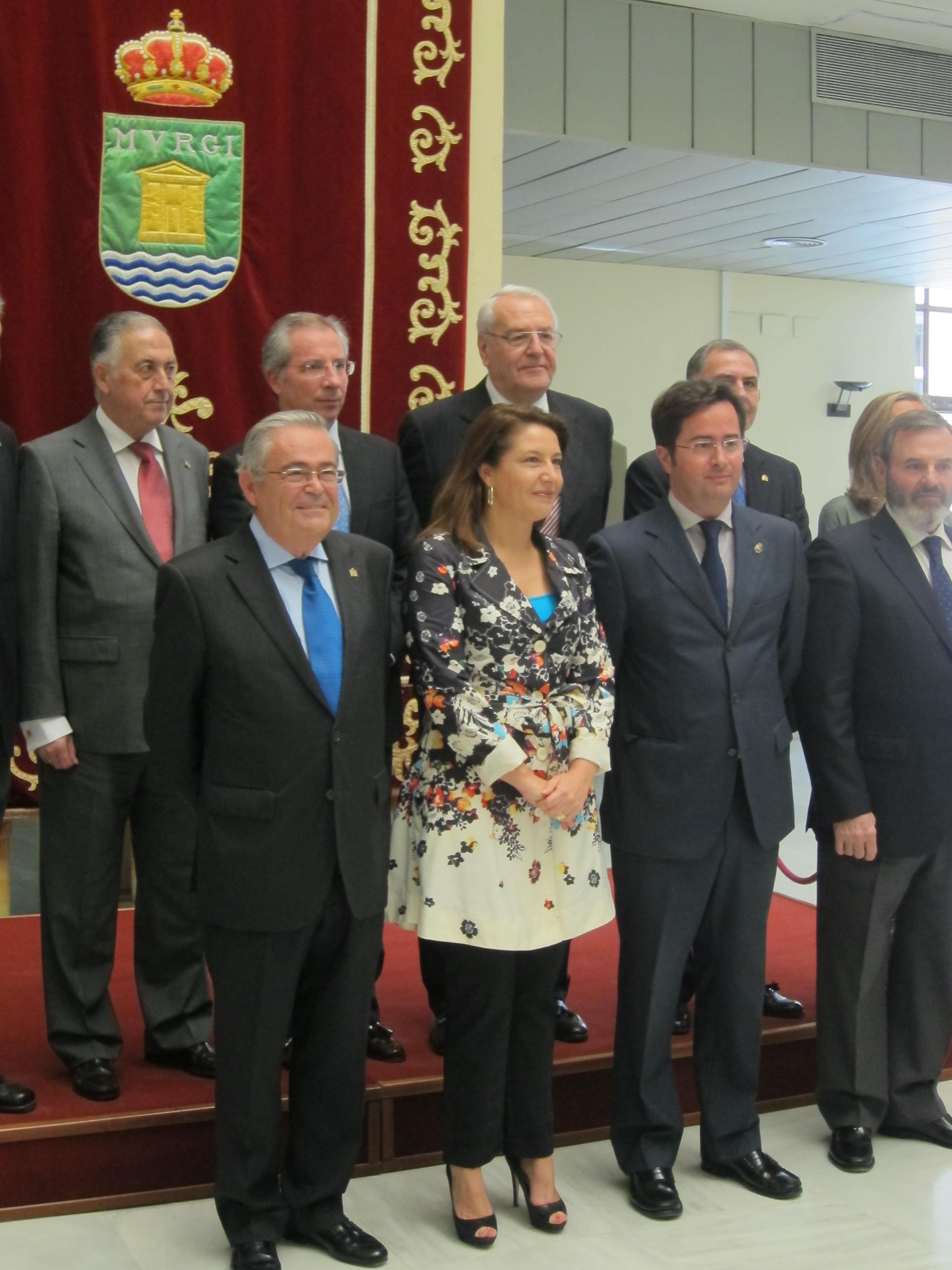 Crespo expresa su «absoluta confianza» ante la investigación por la presunta financiación ilegal del PP de Almería