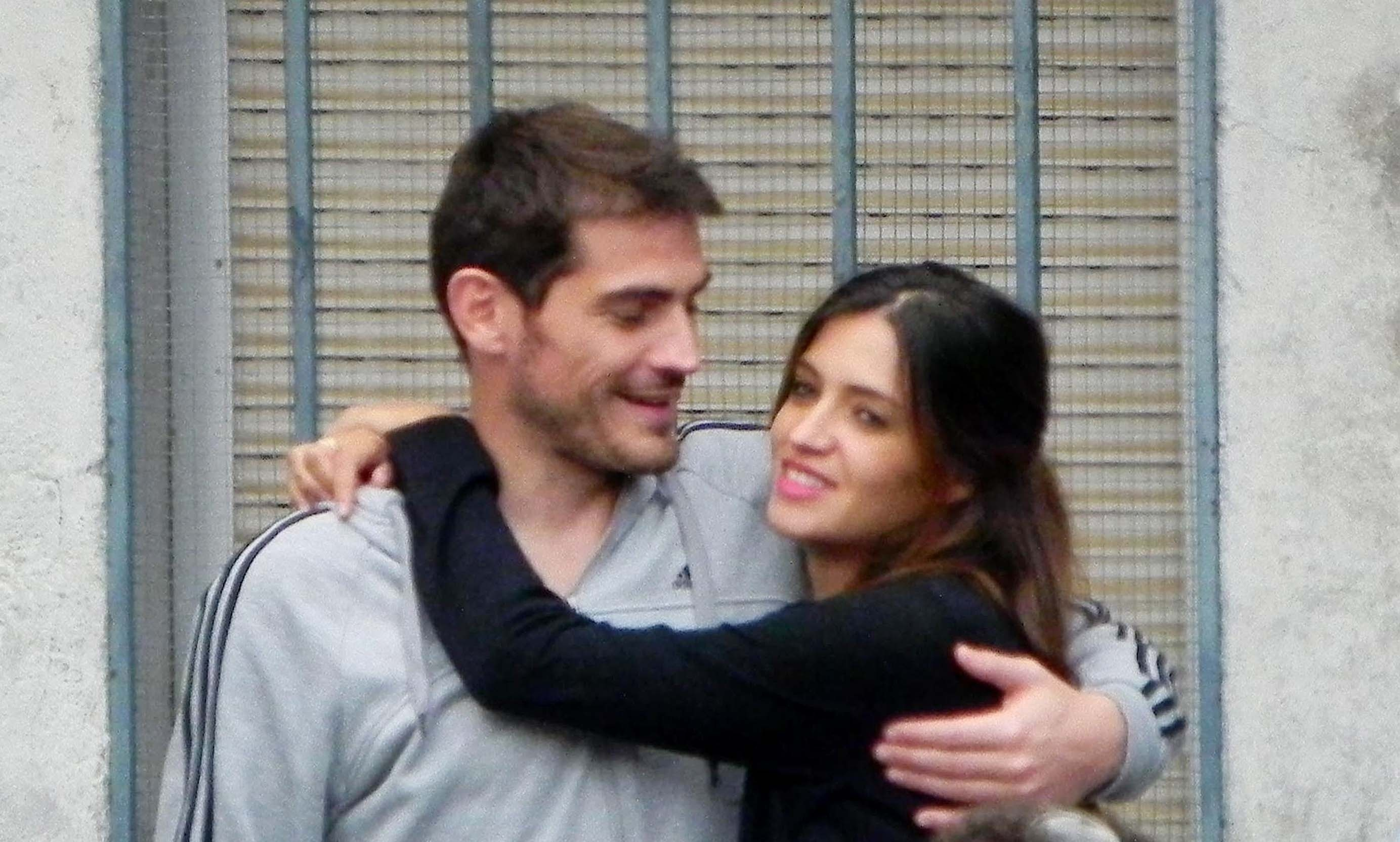 Sara Carbonero e Iker Casillas se encomiendan a la virgen de Navalacruz con sus mejores deseos para el futuro