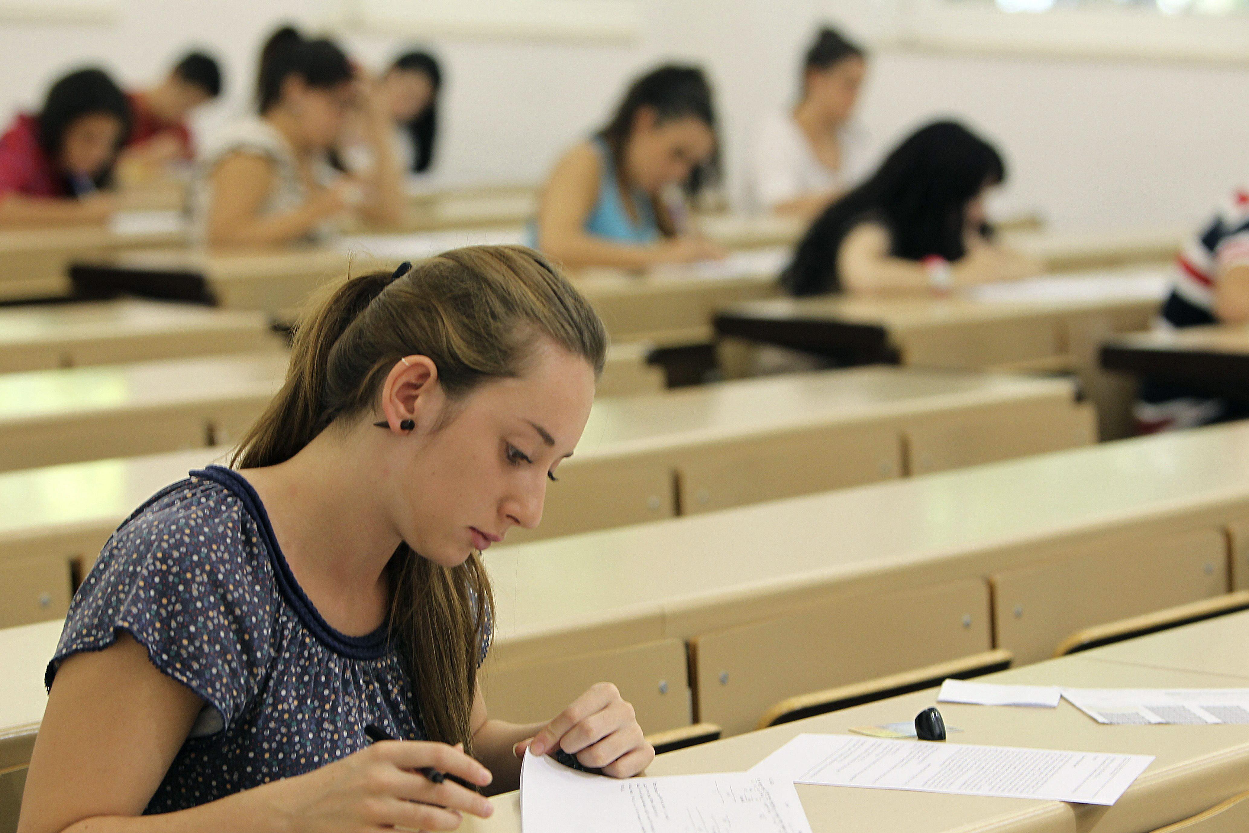 Detenida una universitaria que suplantó a una compañera de piso en 5 exámenes
