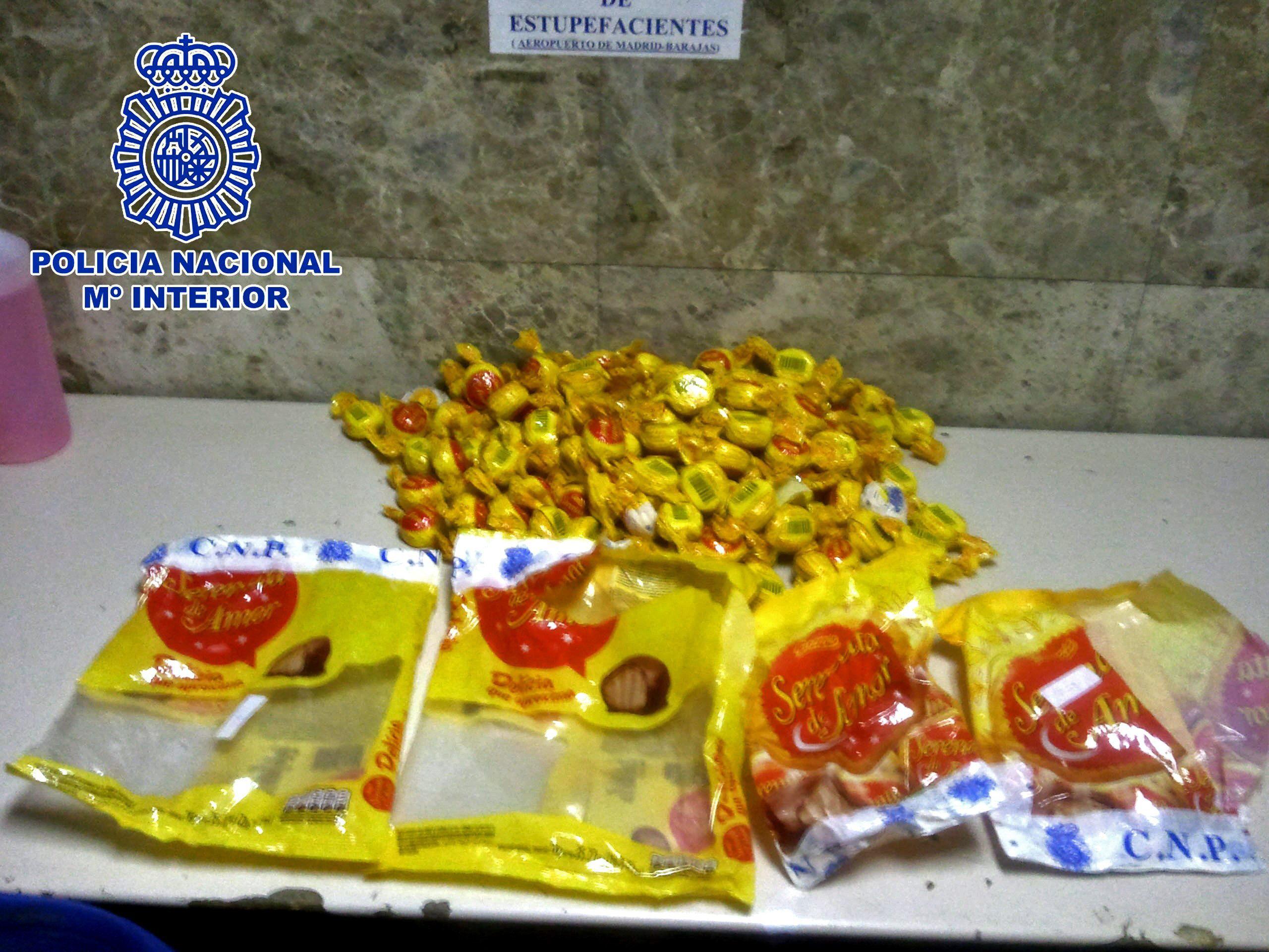 Detenido en Barajas con cuatro kilos de bombones rellenos de cocaína