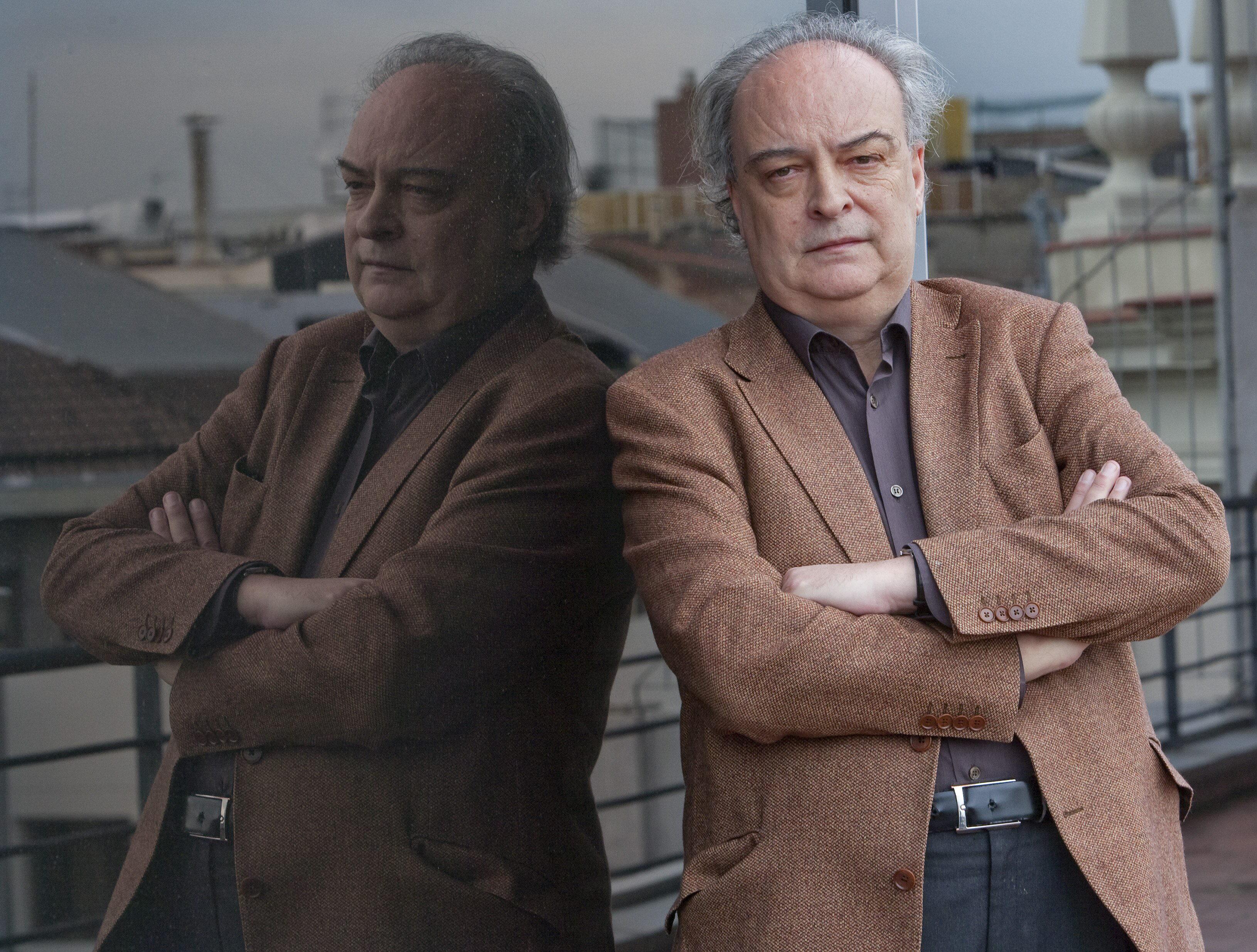 Enrique Vila-Matas afirma que «»Fuera de aquí» es la historia de un estilo»