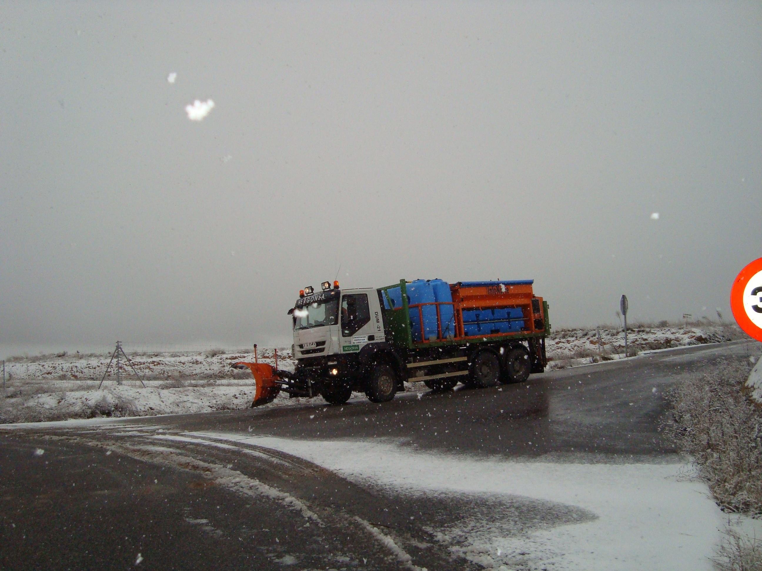 Arranca el dispositivo invernal de la Xunta para mantener operativas las carreteras de Ourense y Lugo con 31 quitanieves