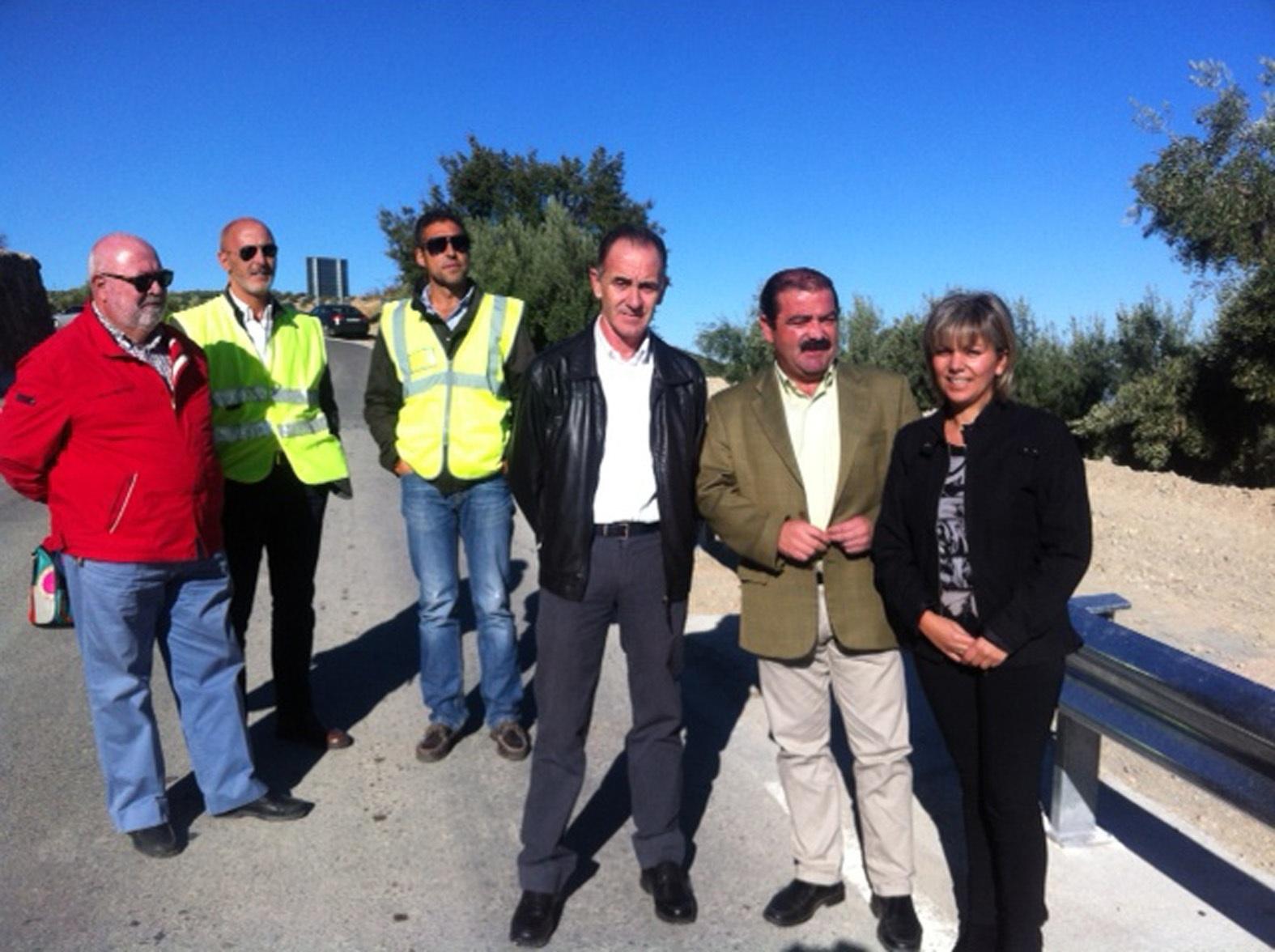 Diputación invierte más de 500.000 euros en mejorar dos vías «fundamentales» para Torres y Pegalajar