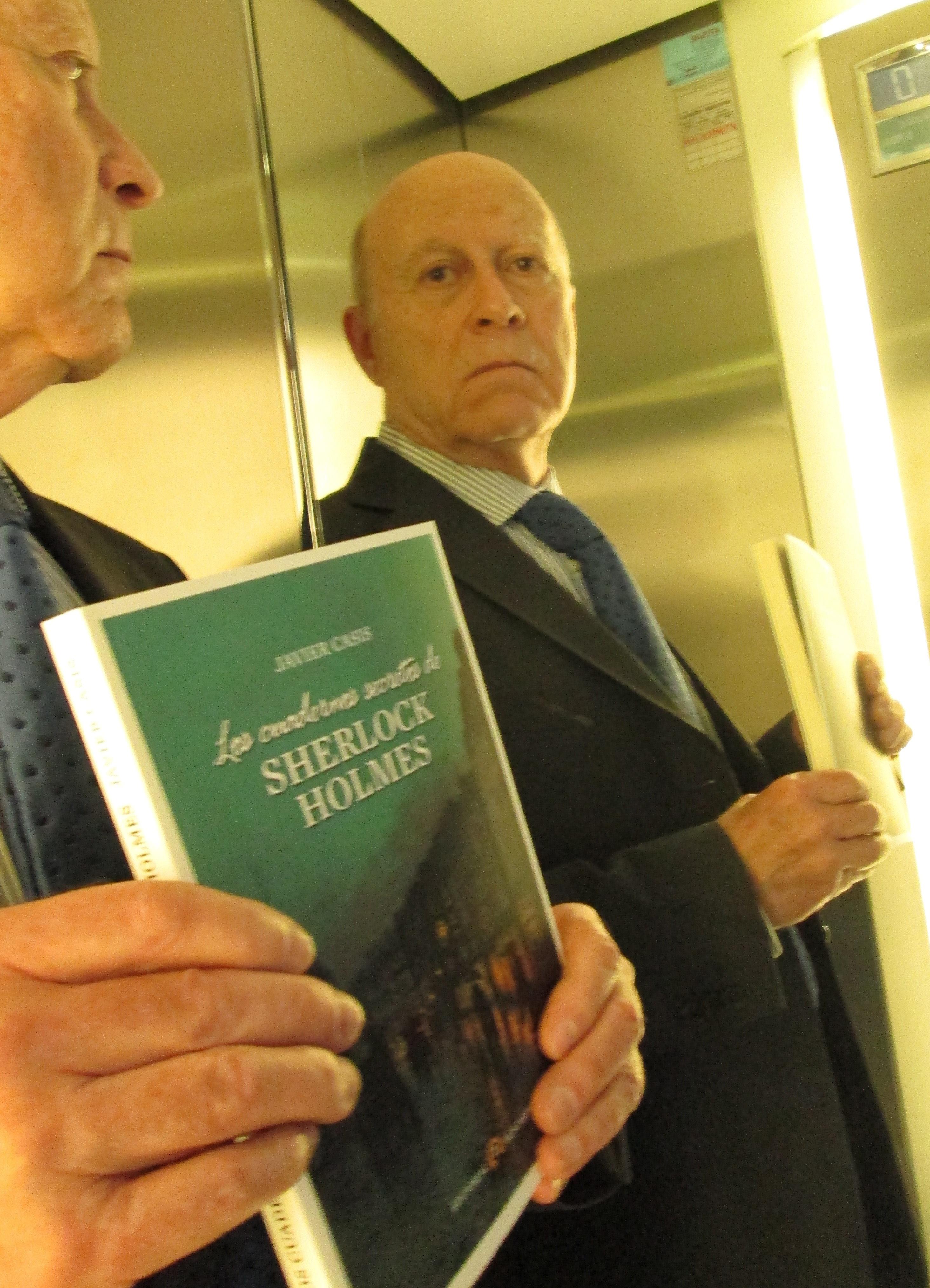 El ciclo »Villanueva Noir» comienza con la presentación de la novela »Los cuadernos secretos de Sherlock Holmes»