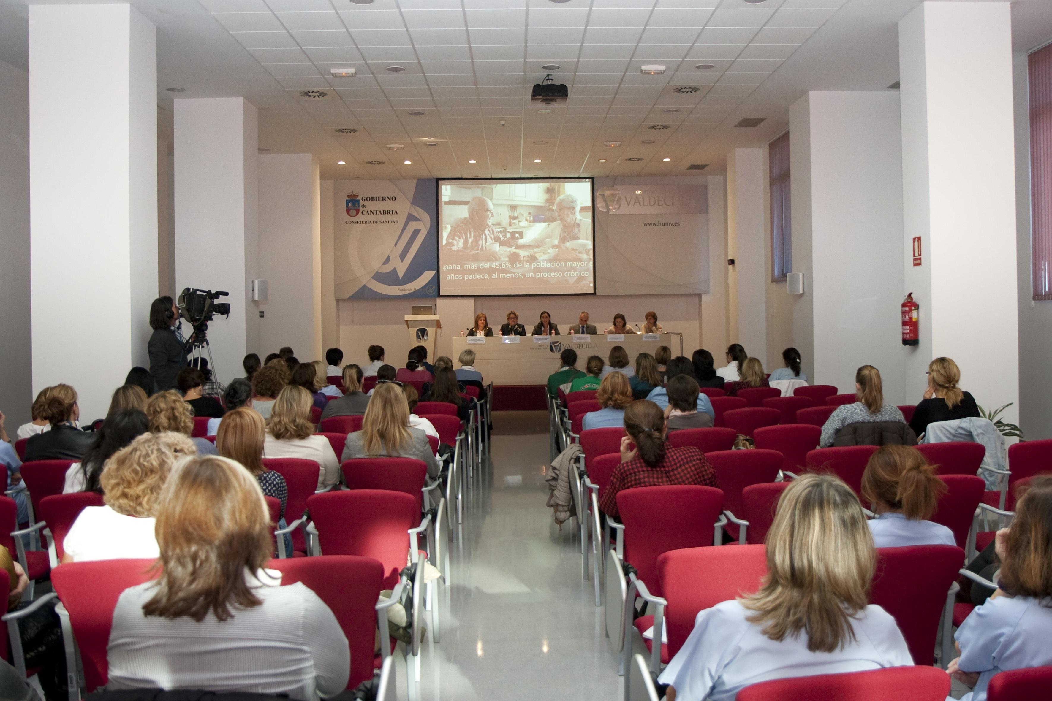 La primera jornada de los »Jueves enfermeros» de Valdecilla abordó la cronicidad