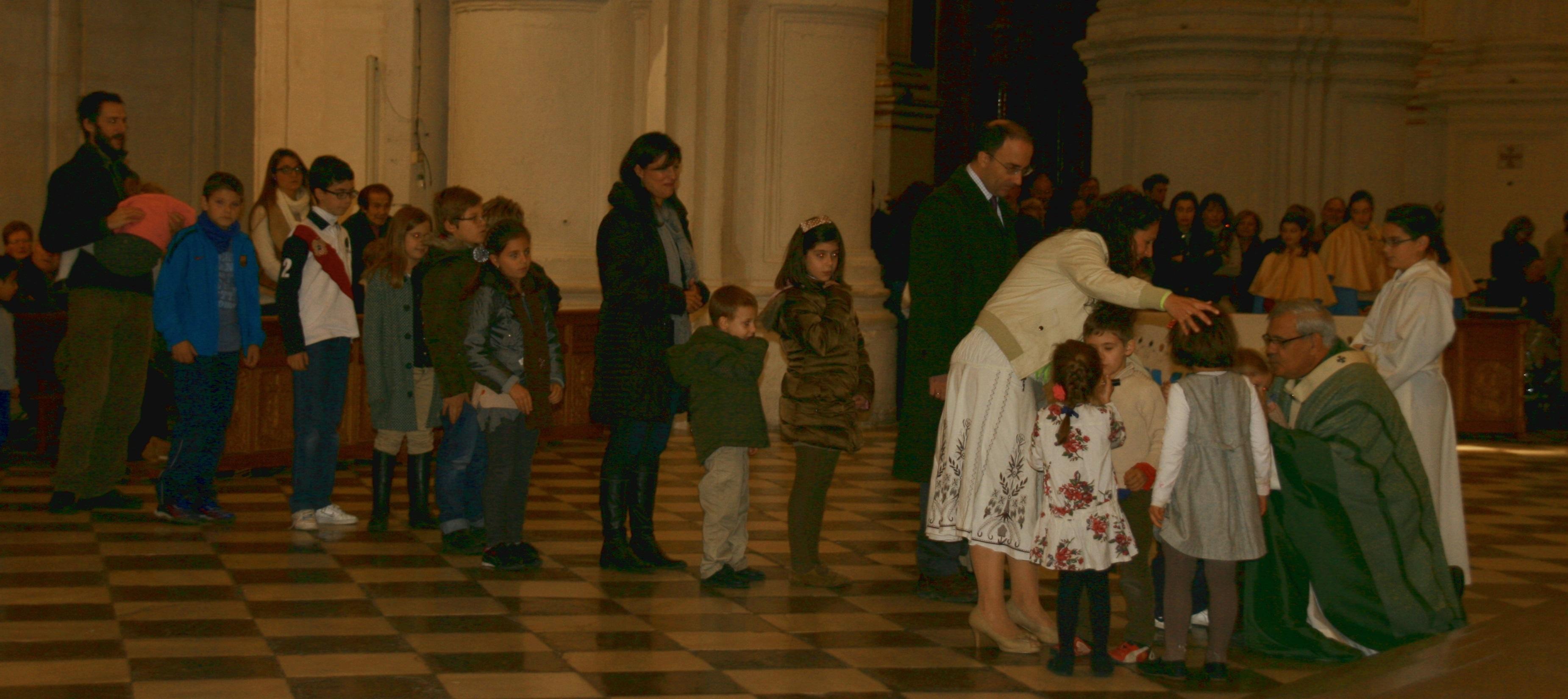 El Arzobispado de Granada destaca la afluencia de fieles a la Catedral frente a los «ataques» por »Cásate y sé sumisa»