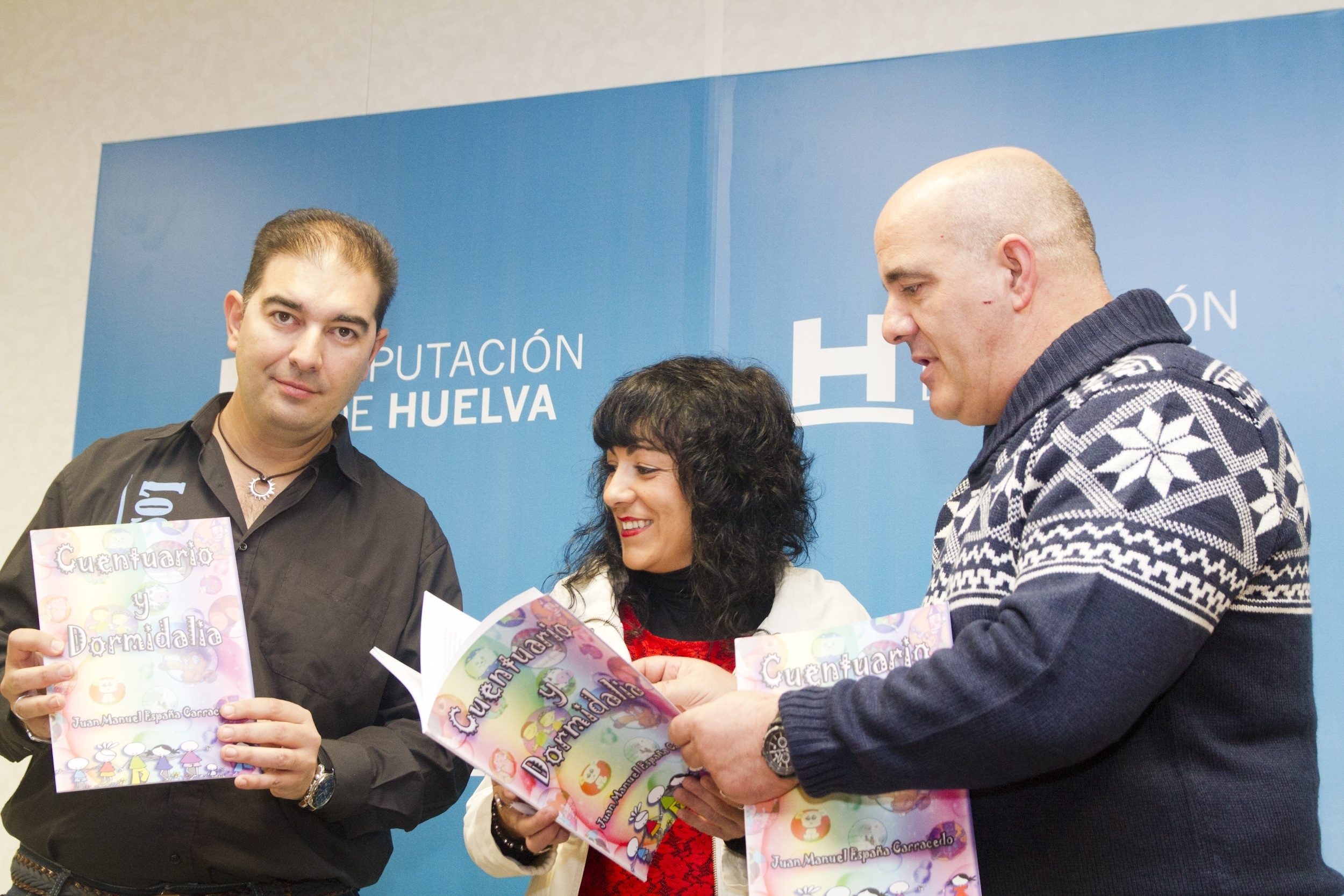 Diputación edita 500 ejemplares del libro infantil »Cuentuario y Dormidalia» con fines benéficos