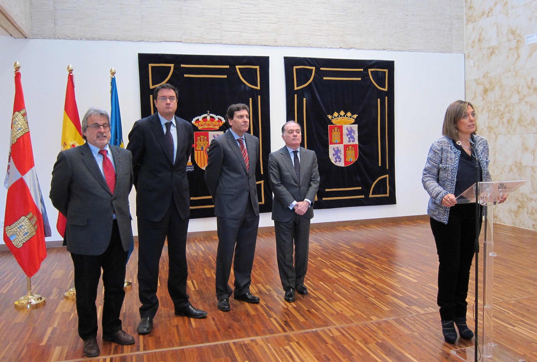 Acuerdo unánime para blindar por ley la protección a afectados por la crisis, un pacto de Comunidad pionero en España