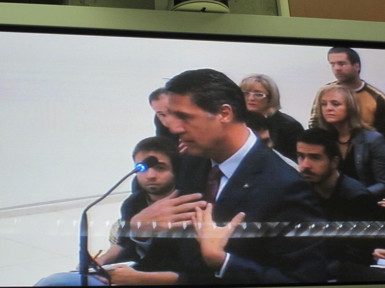 Alcalde de Badalona (Barcelona) admite frases «inadecuadas» sobre gitanos rumanos pero asegura que causan problemas