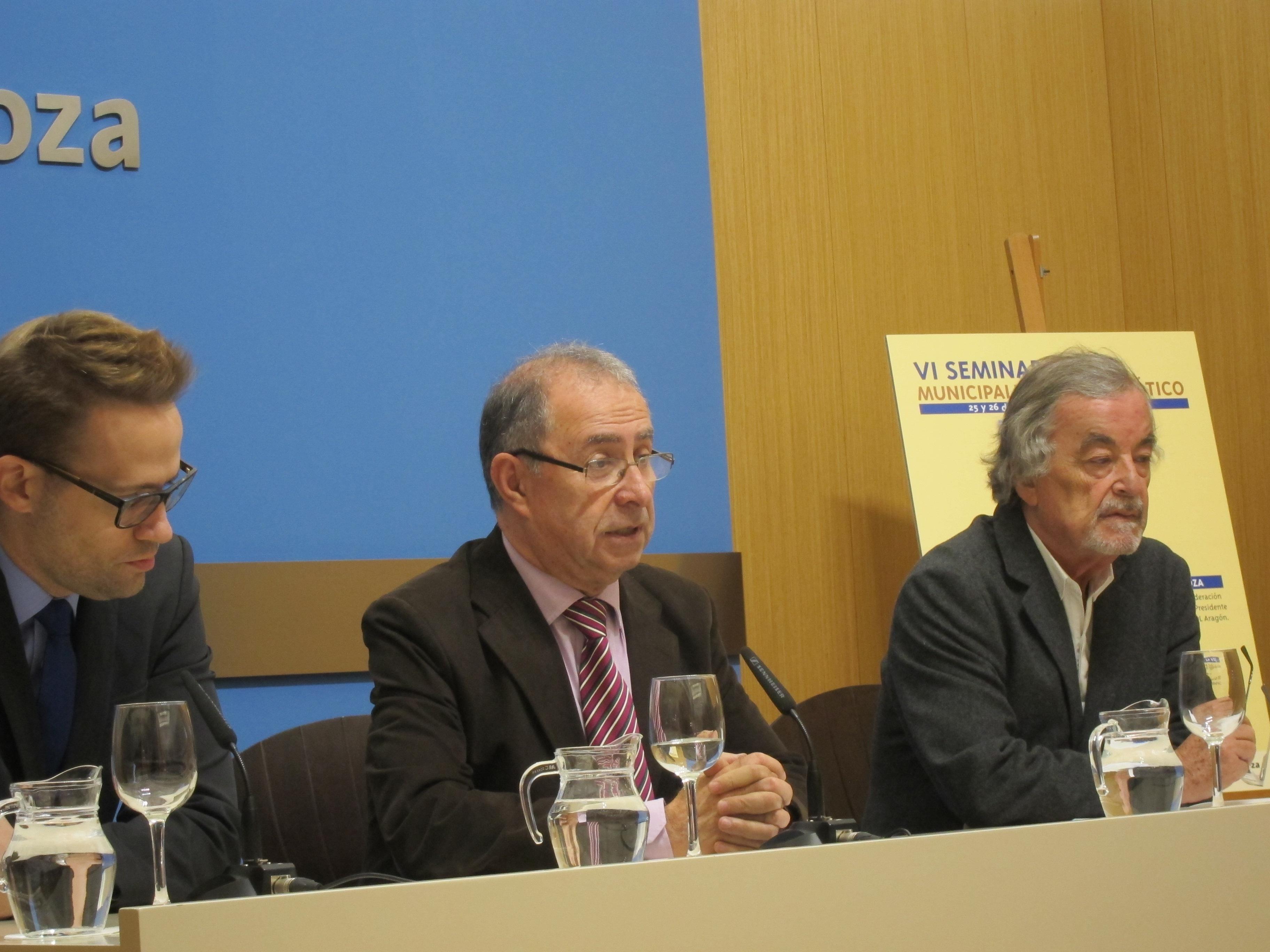 La Asociación de exconcejales democráticos homenajeará al exalcalde recientemente fallecido, José Atarés