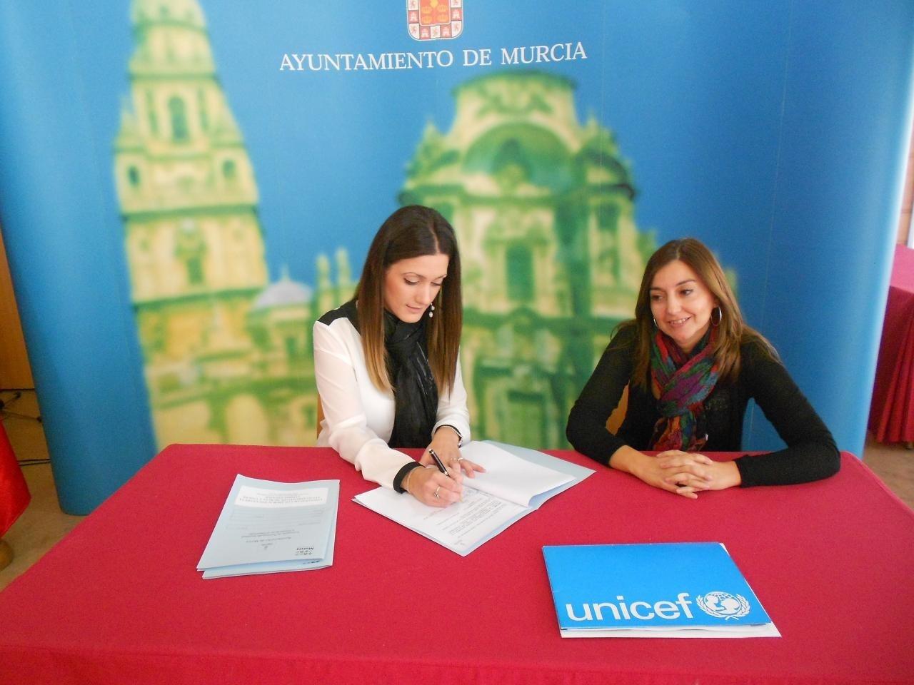 El Ayuntamiento de Murcia destina 9.000 euros para ayudar a los niños afectados por el tifón Haiyan-Yolanda en Filipinas