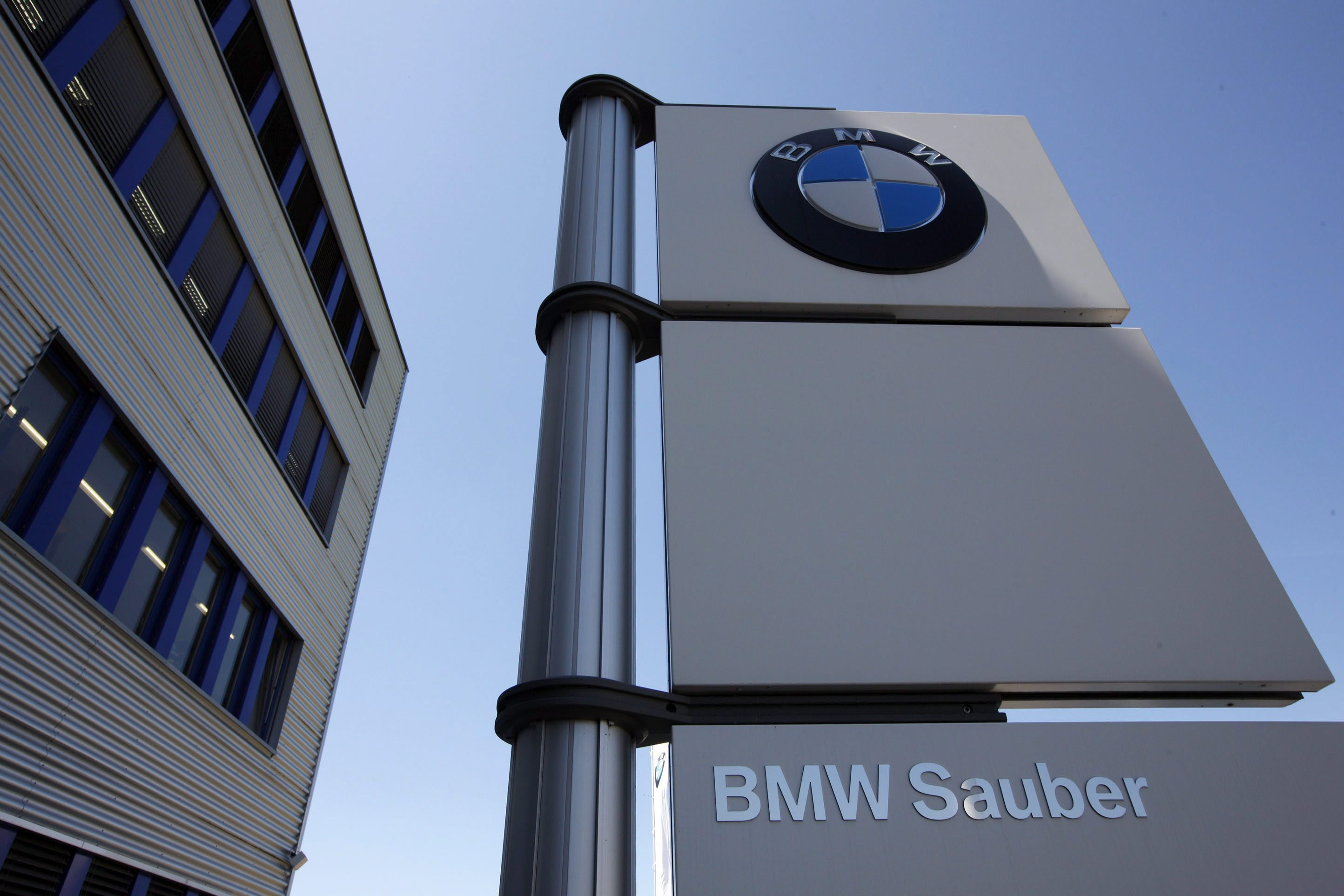 BMW invirtió 800 millones de euros en 2012 en compras en España