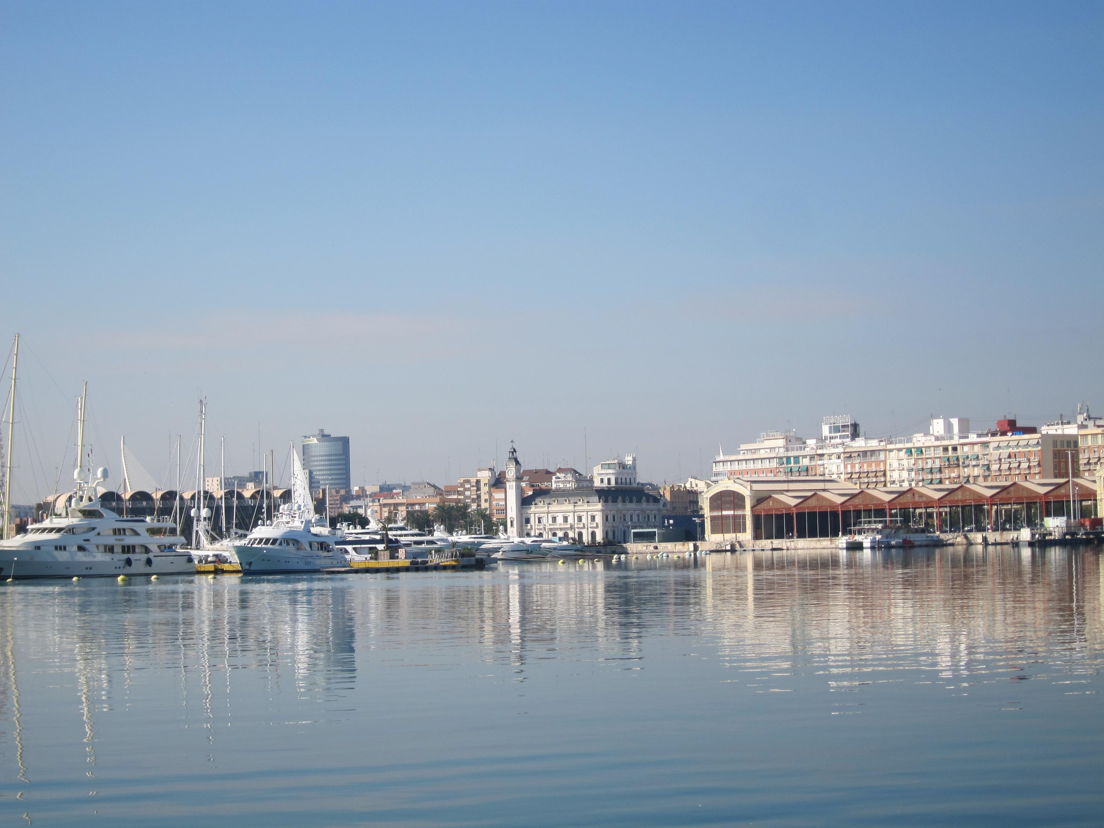 Barberá afirma que «se buscará el lugar en el que hacer casitas» en el Plan Especial de la Marina