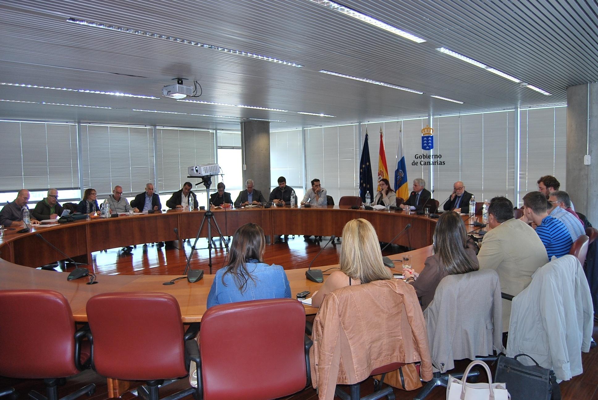 Canarias permitirá a los alumnos que no aprueben la reválida de la ESO estar en el sistema hasta los 17 años