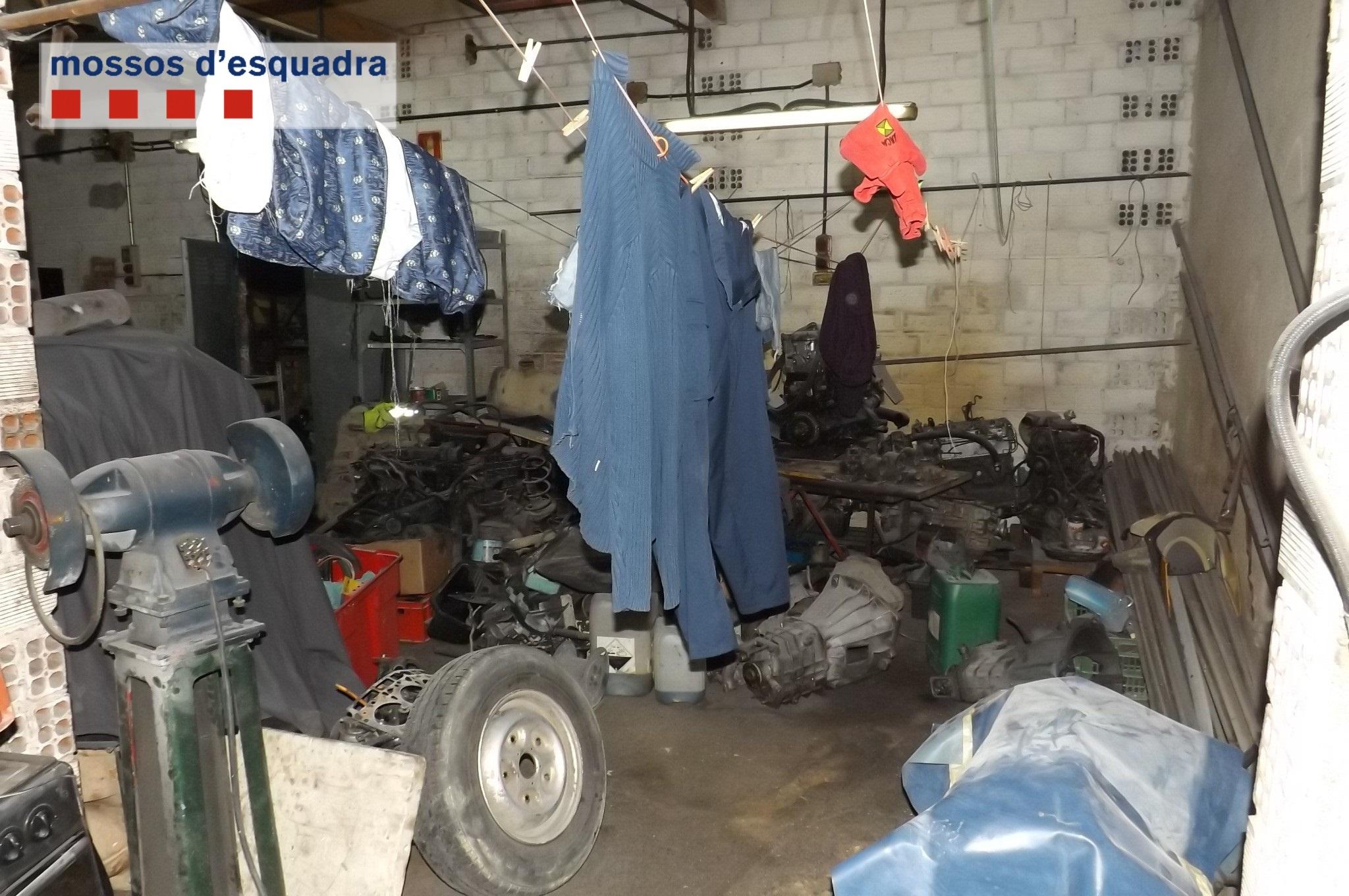 Detenidos los propietarios de un taller en Barcelona que retenían en condiciones «inhumanas» a dos empleados rumanos