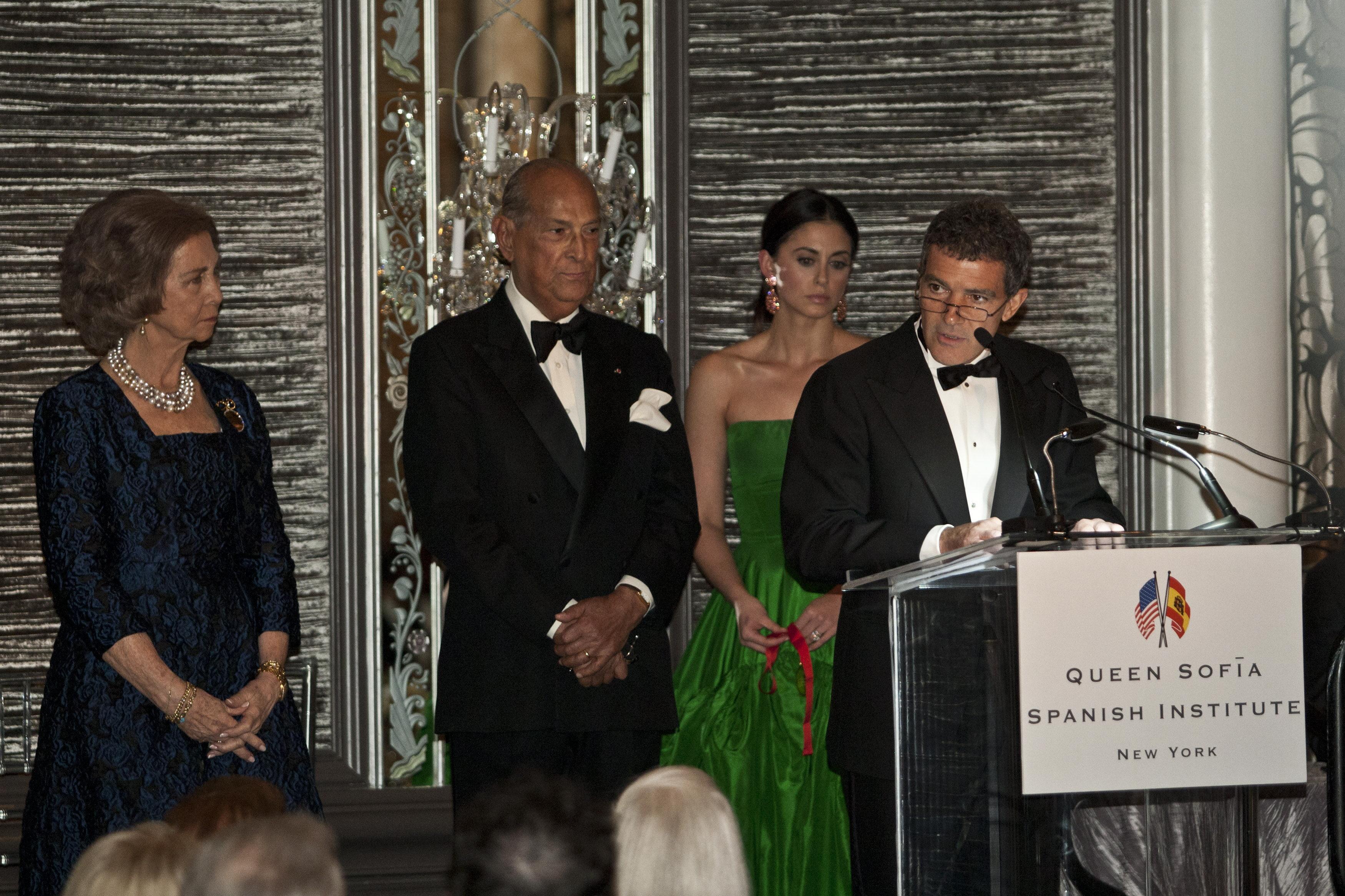 El Instituto Reina Sofía de Nueva York entrega sus medallas a Antonio Banderas y Hillary Clinton