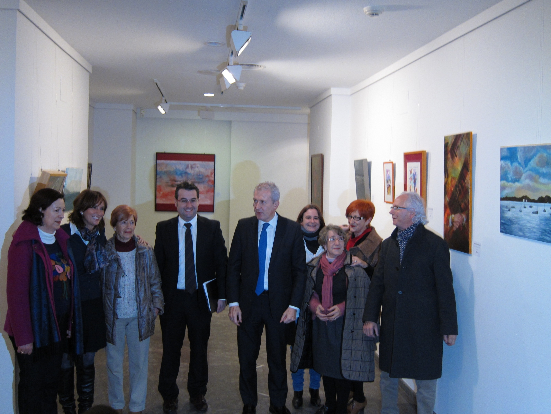 Medicus Mundi organiza una exposición de pintura para obtener fondos para realizar sus proyectos