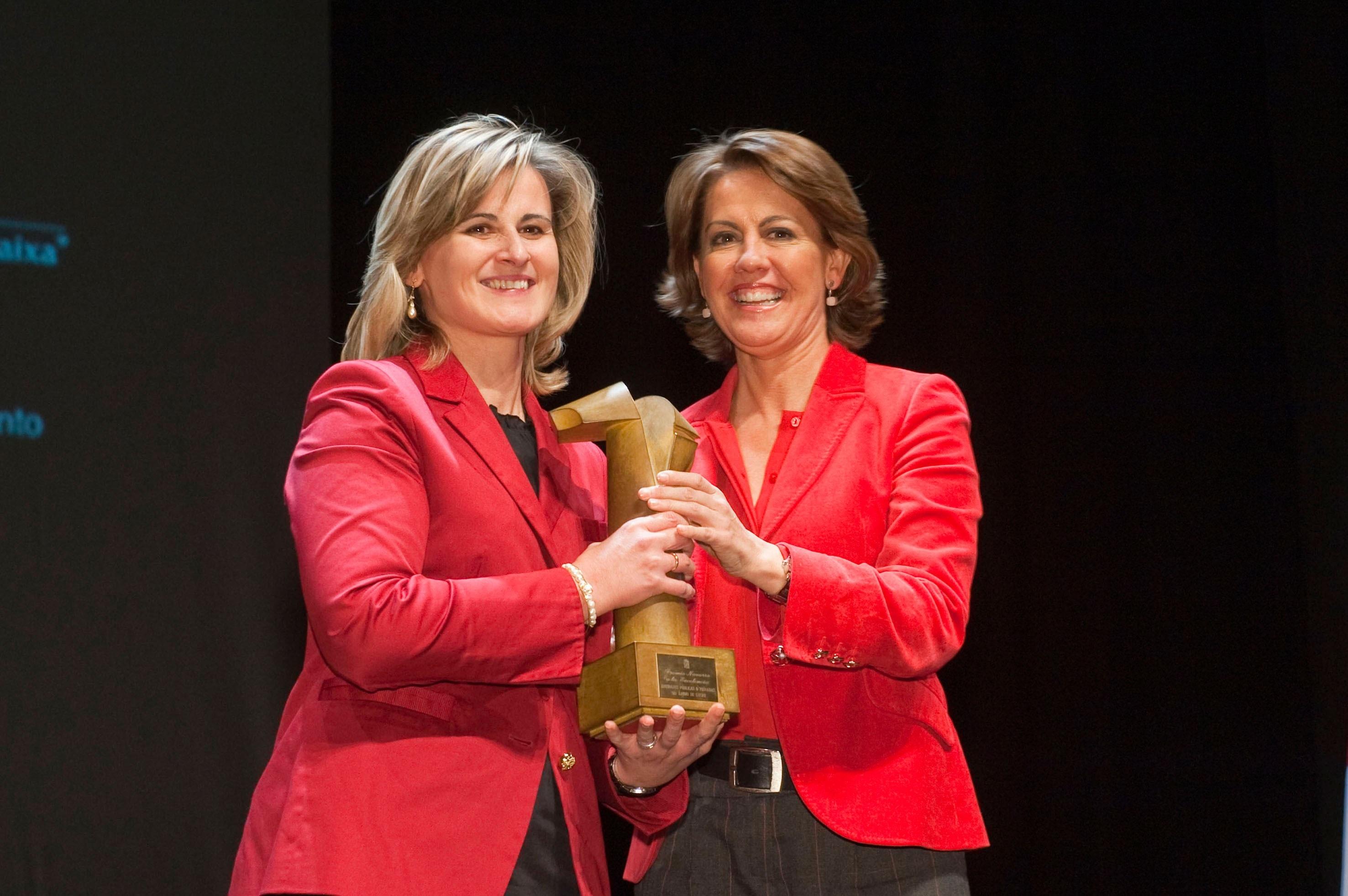 El Premio Navarro a la Excelencia 2013 reconoce al colegio Santa Teresa y a la empresa Pauma S.L.