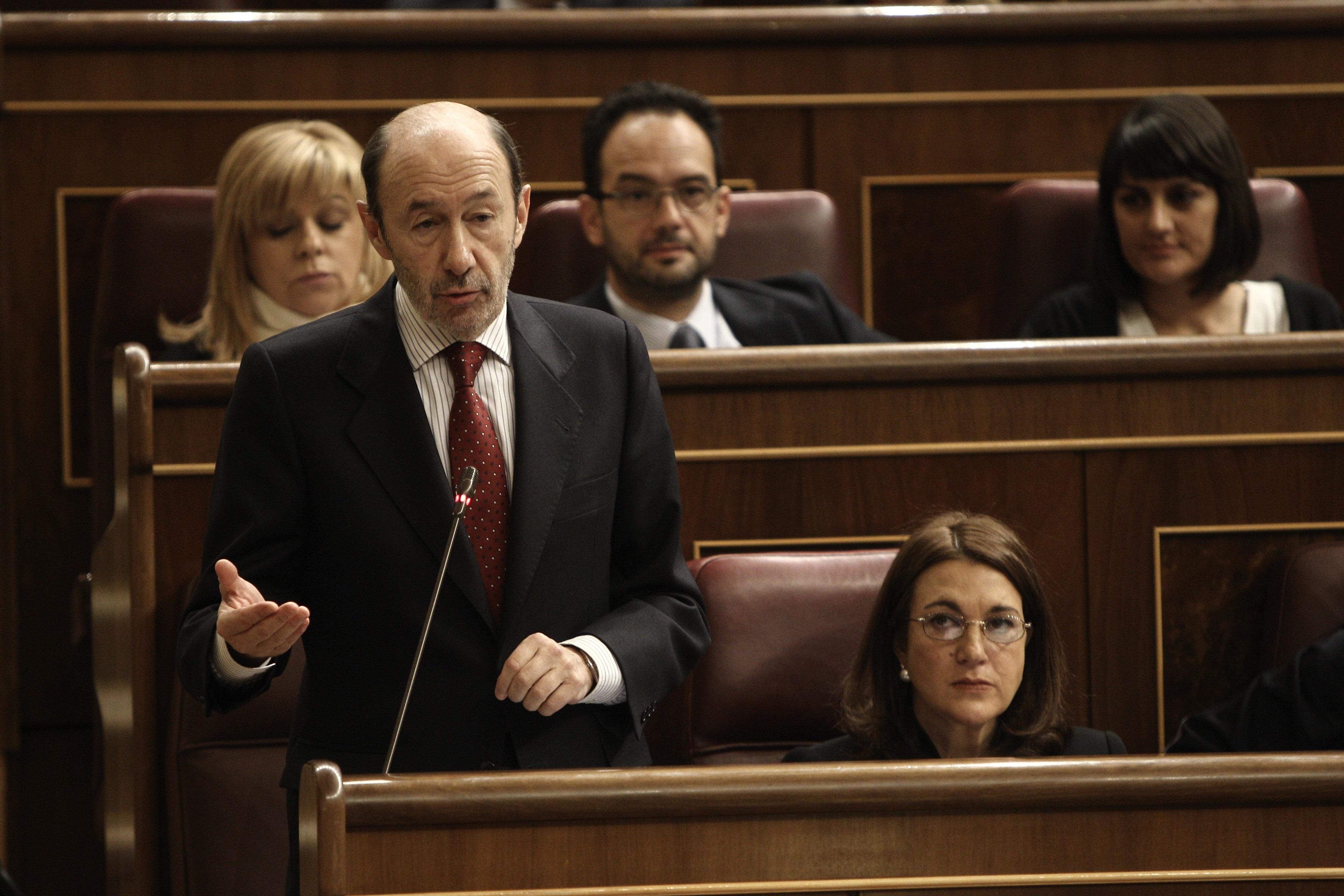 Rubalcaba pide a Rajoy que presente sus ideas contra el paro juvenil