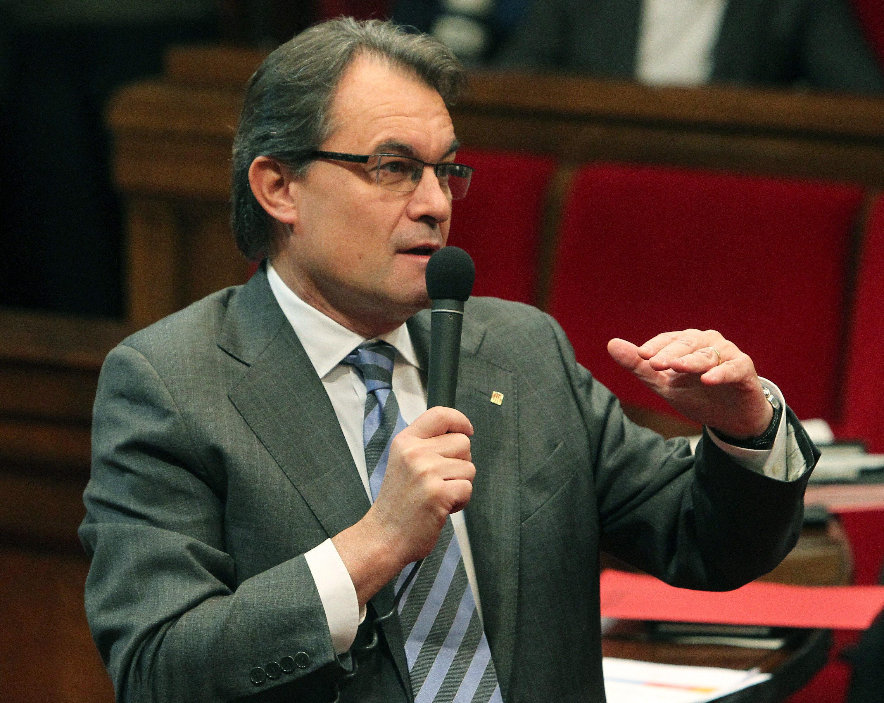 Mas dice que no es nadie para «desautorizar» a Junqueras por pedir parar la economía
