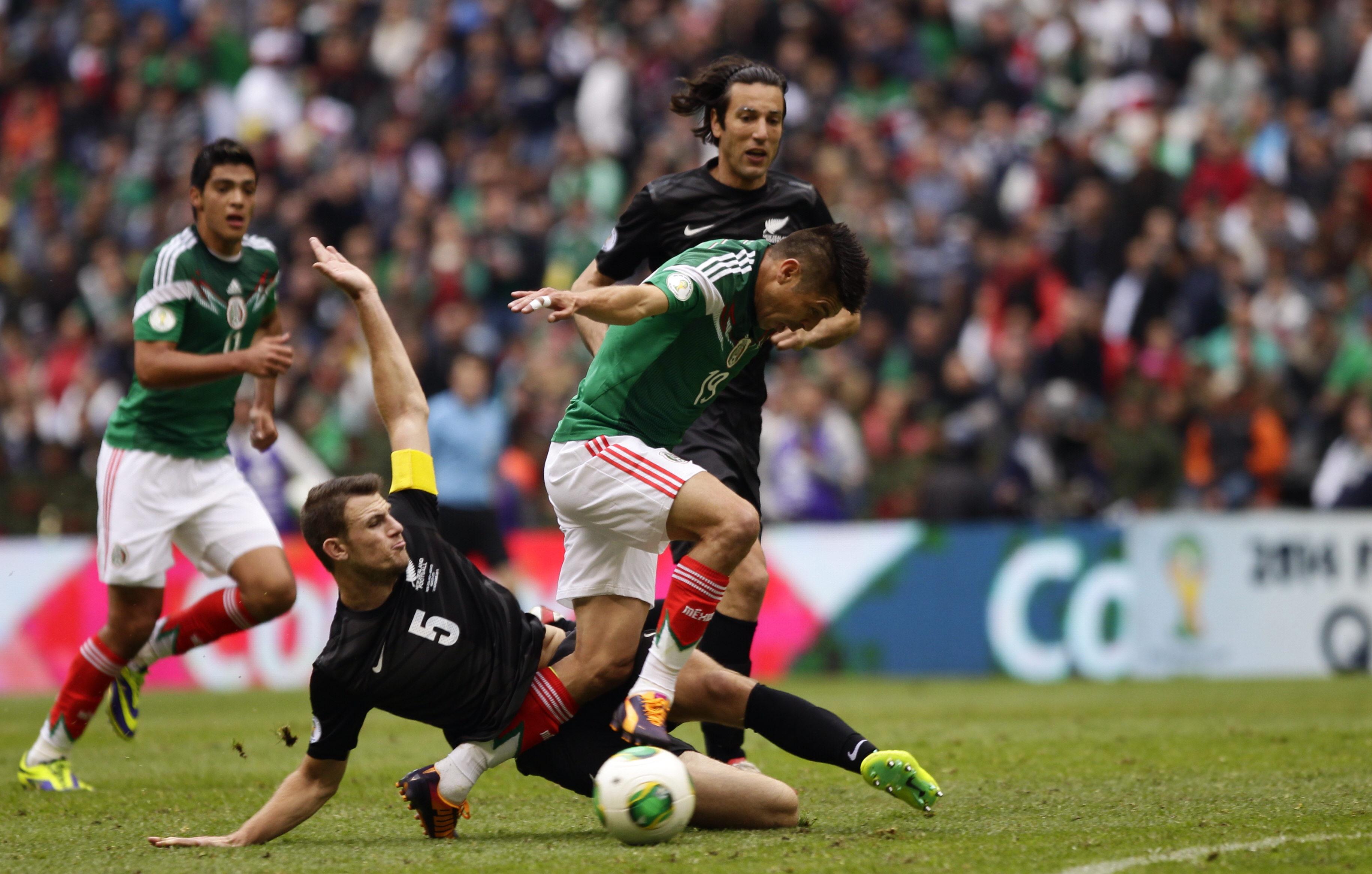 2-4.México gana el pase al Mundial impulsada por un triple de Peralta