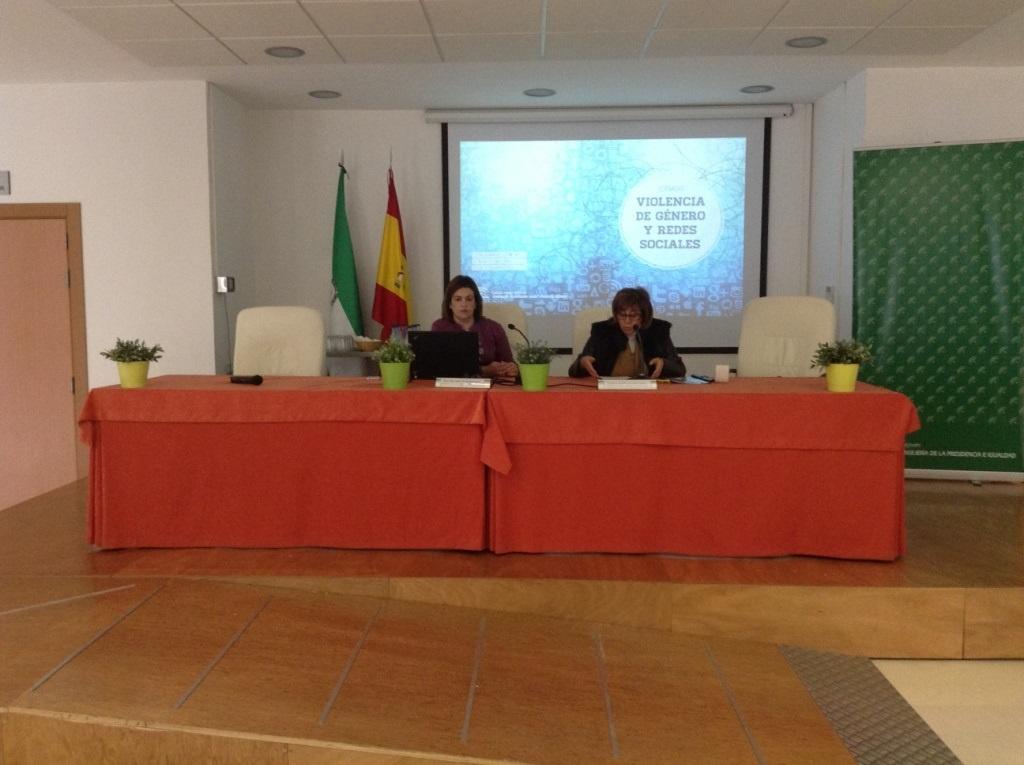 Unas 130 personas analizan en Jaén la violencia de género a través de redes sociales en una jornada del IAM