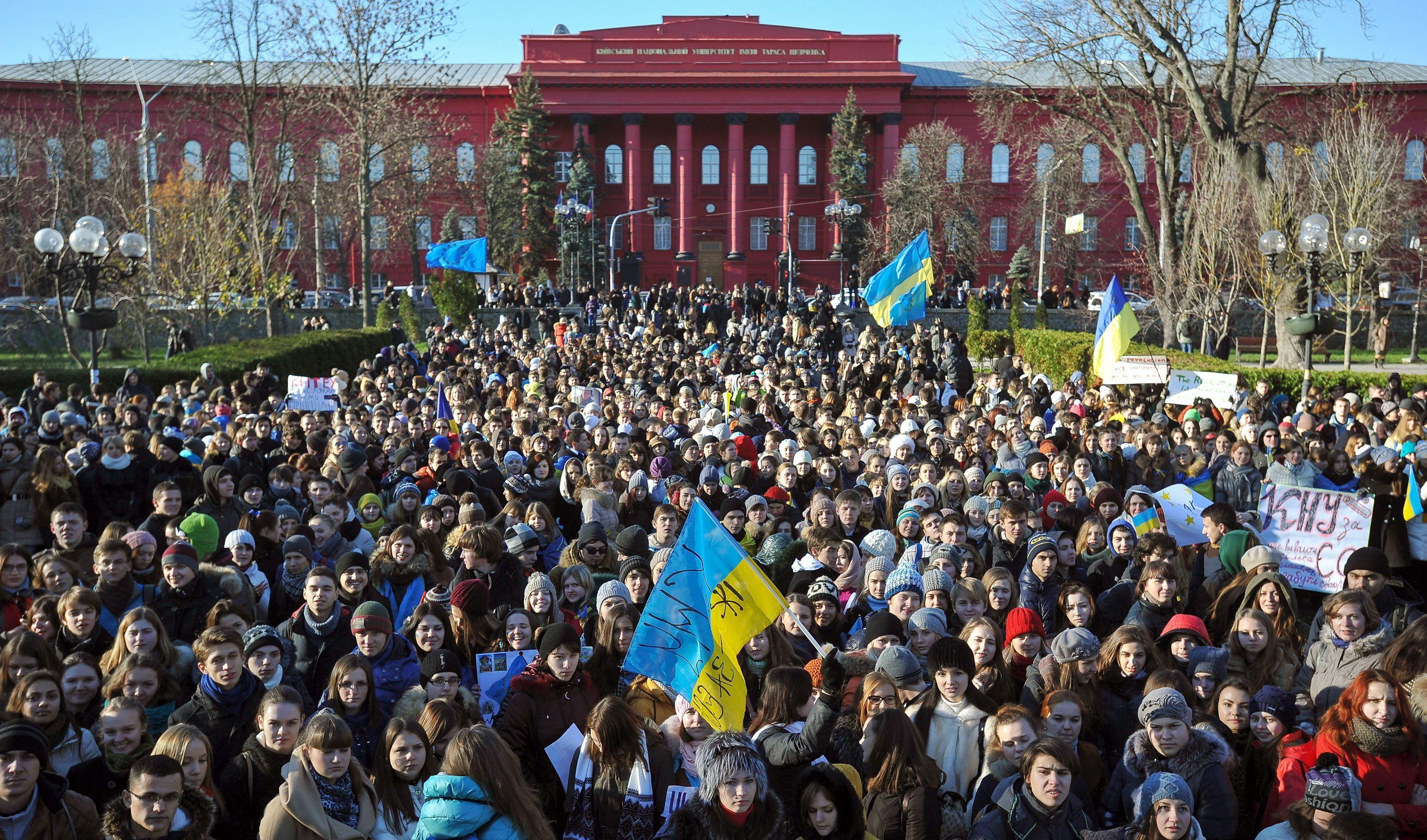 Máxima tensión en Kiev: Los opositores ucranianos ocupan las dependencias del Ayuntamiento