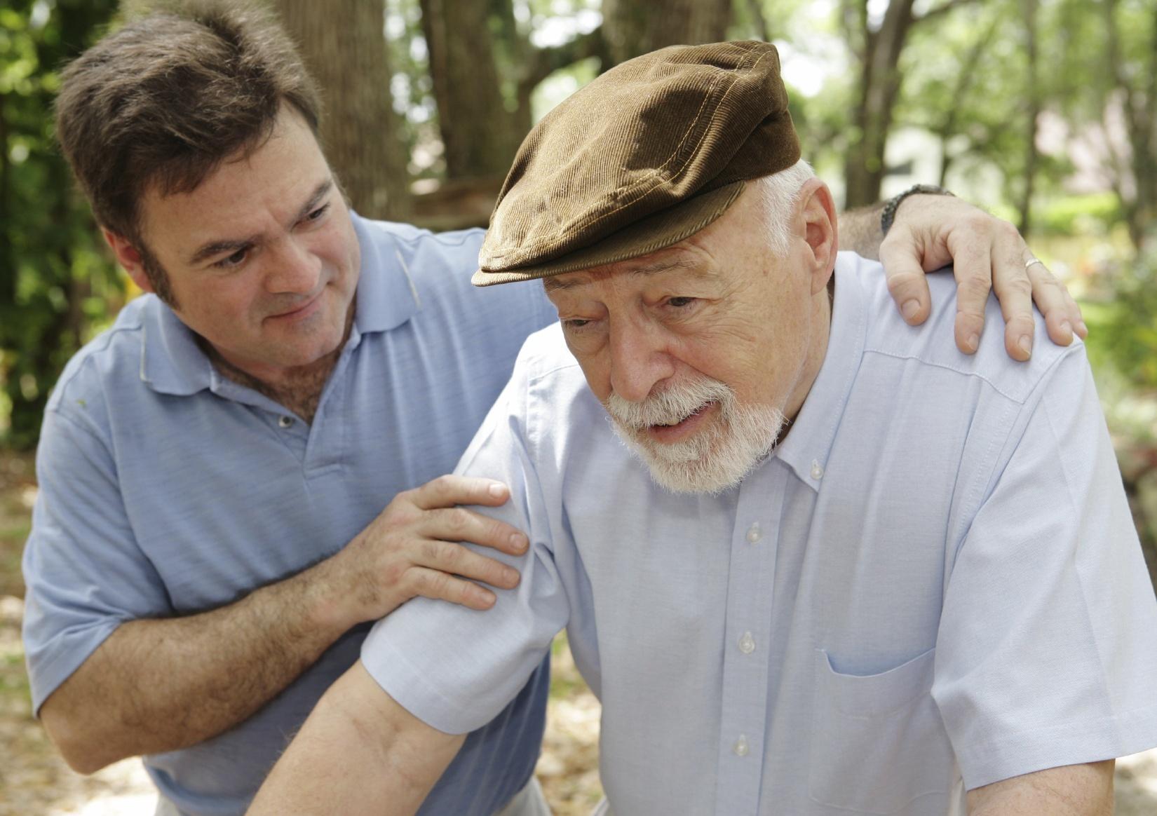 España, el país europeo que más ata a los ancianos con Alzheimer y demencia