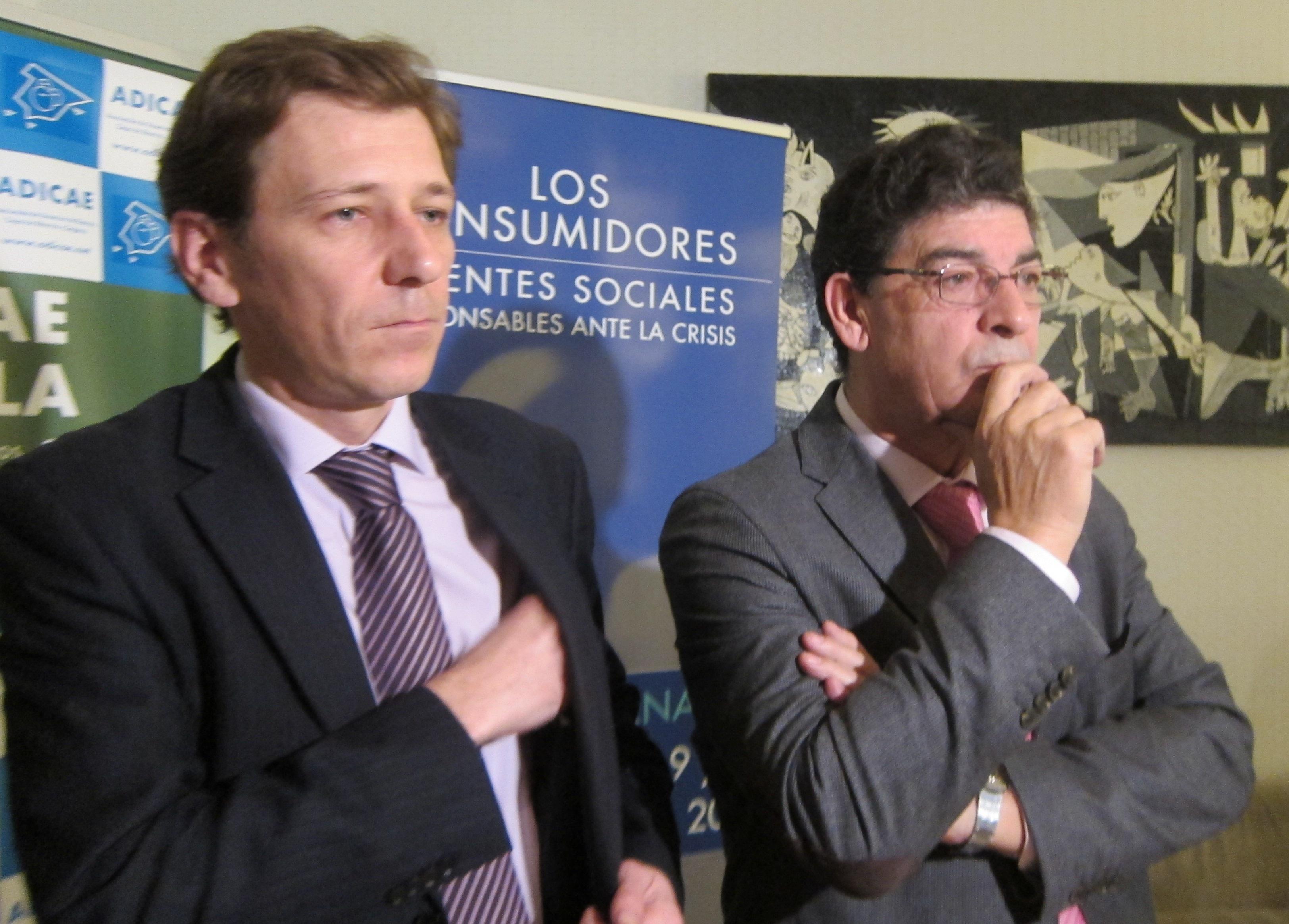 Andalucía trabaja en un decreto que aumente garantías de consumidores mediante indemnizaciones por daños y perjuicios
