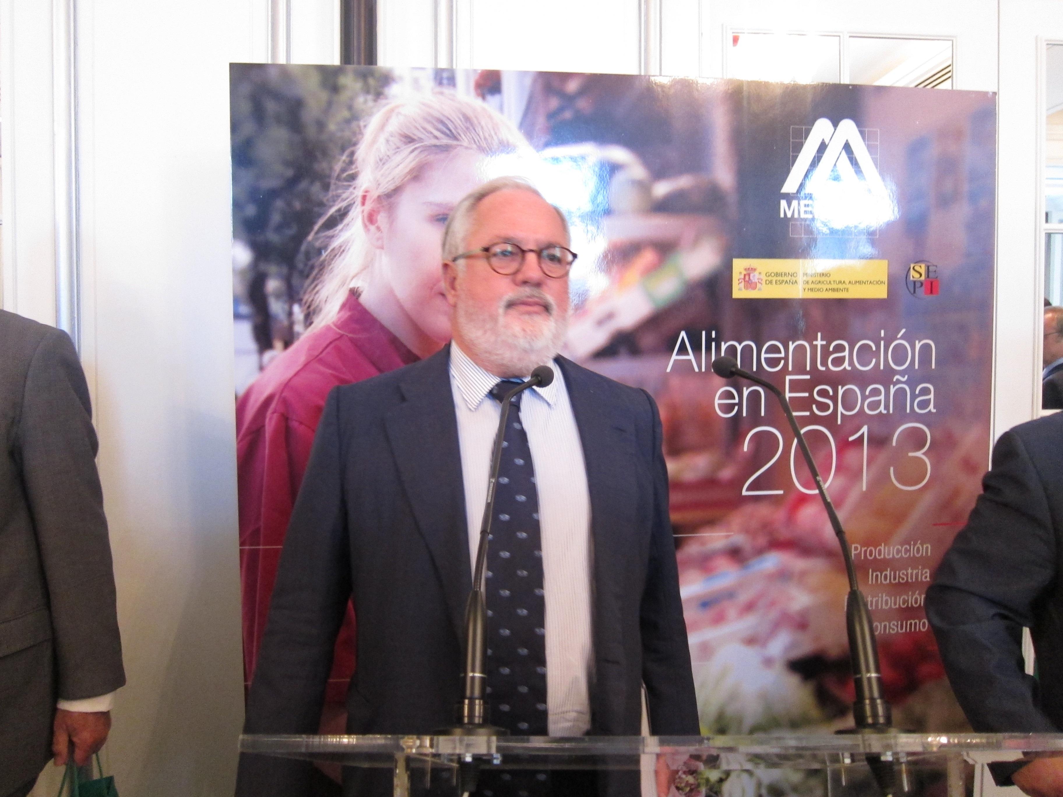 Arias Cañete dice que los regalos de empresa se han relanzado de forma «muy importante» esta Navidad