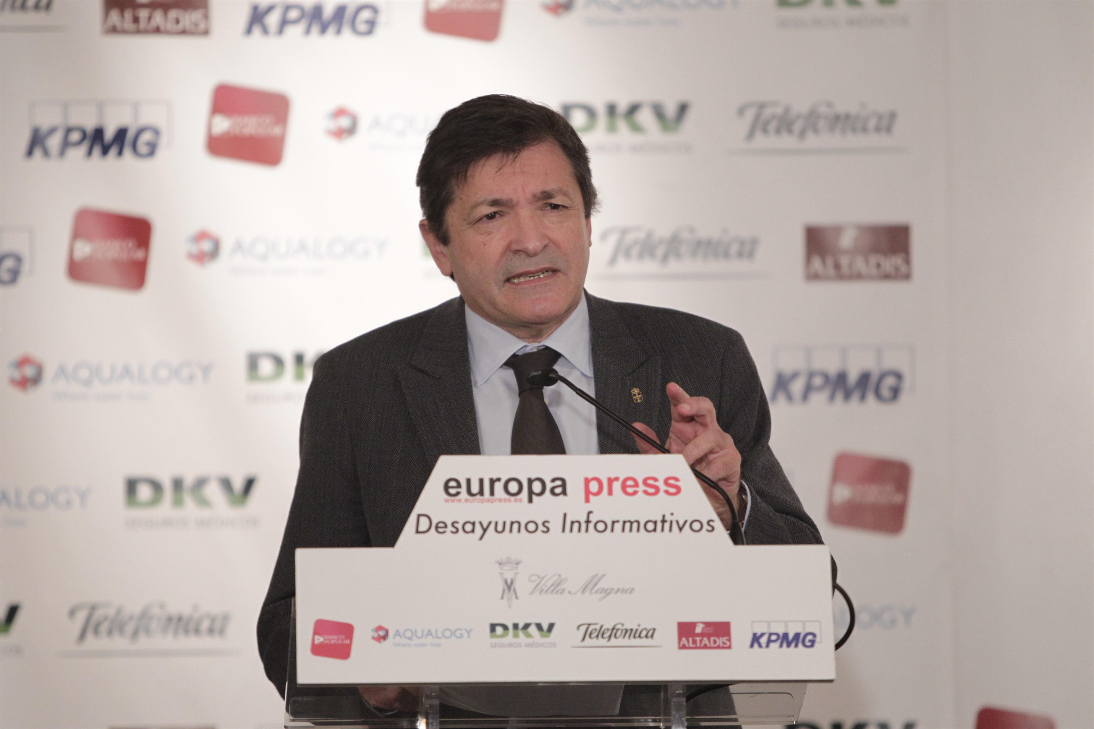 El presidente de Asturias arremete contra Madrid por su «descarnada subasta tributaria» y competencia fiscal